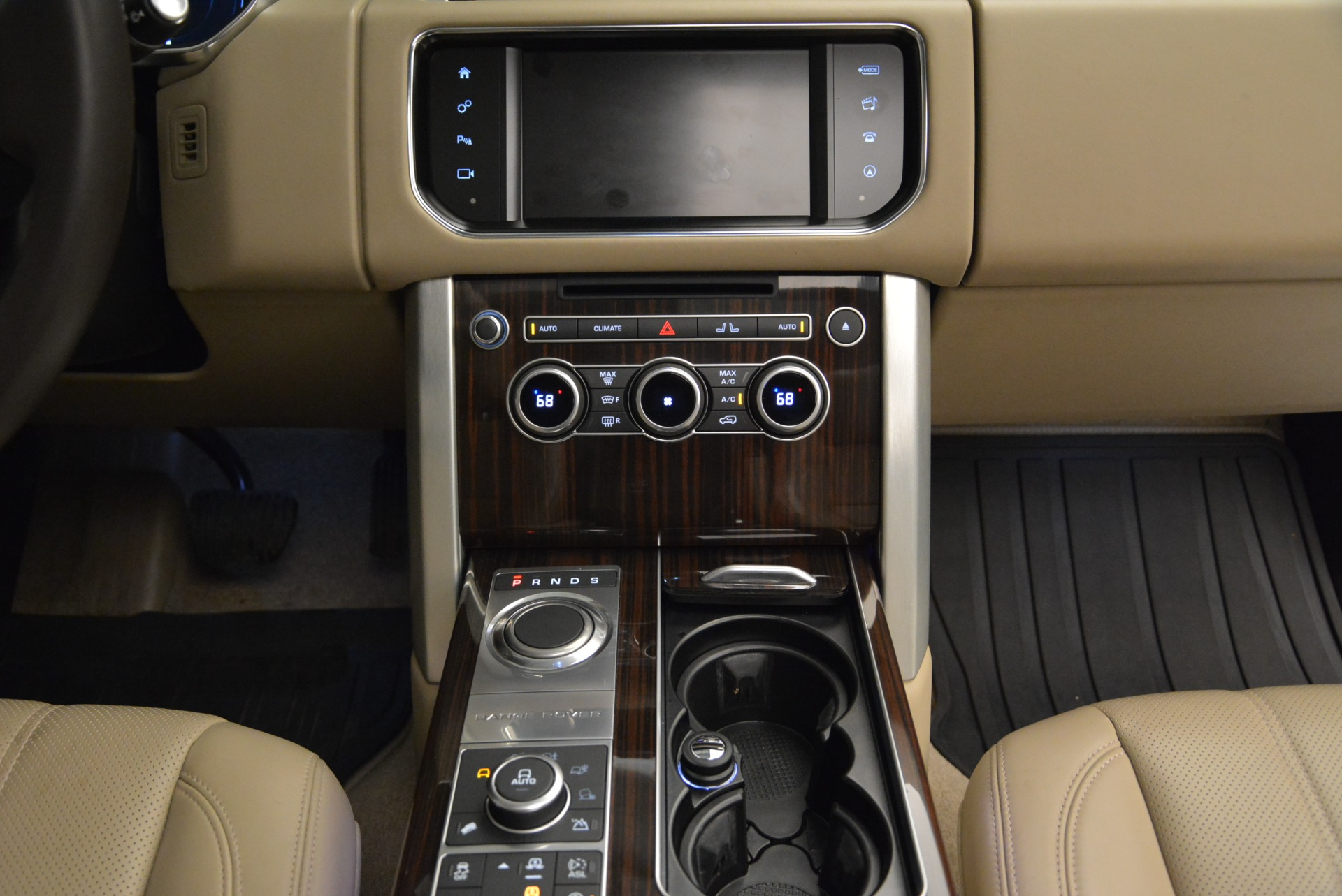 Used 2016 Land Rover Range Rover HSE For Sale In Greenwich, CT. Alfa Romeo of Greenwich, 7314 1962_p36