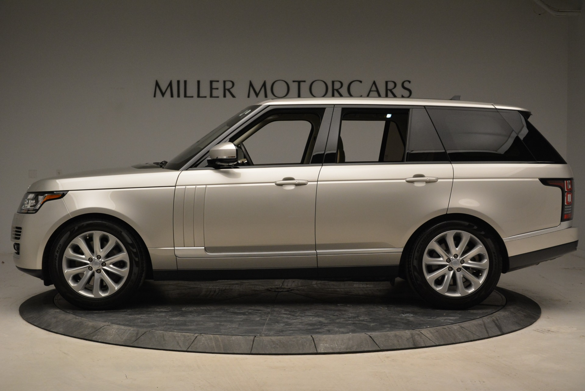 Used 2016 Land Rover Range Rover HSE For Sale In Greenwich, CT. Alfa Romeo of Greenwich, 7314 1962_p3