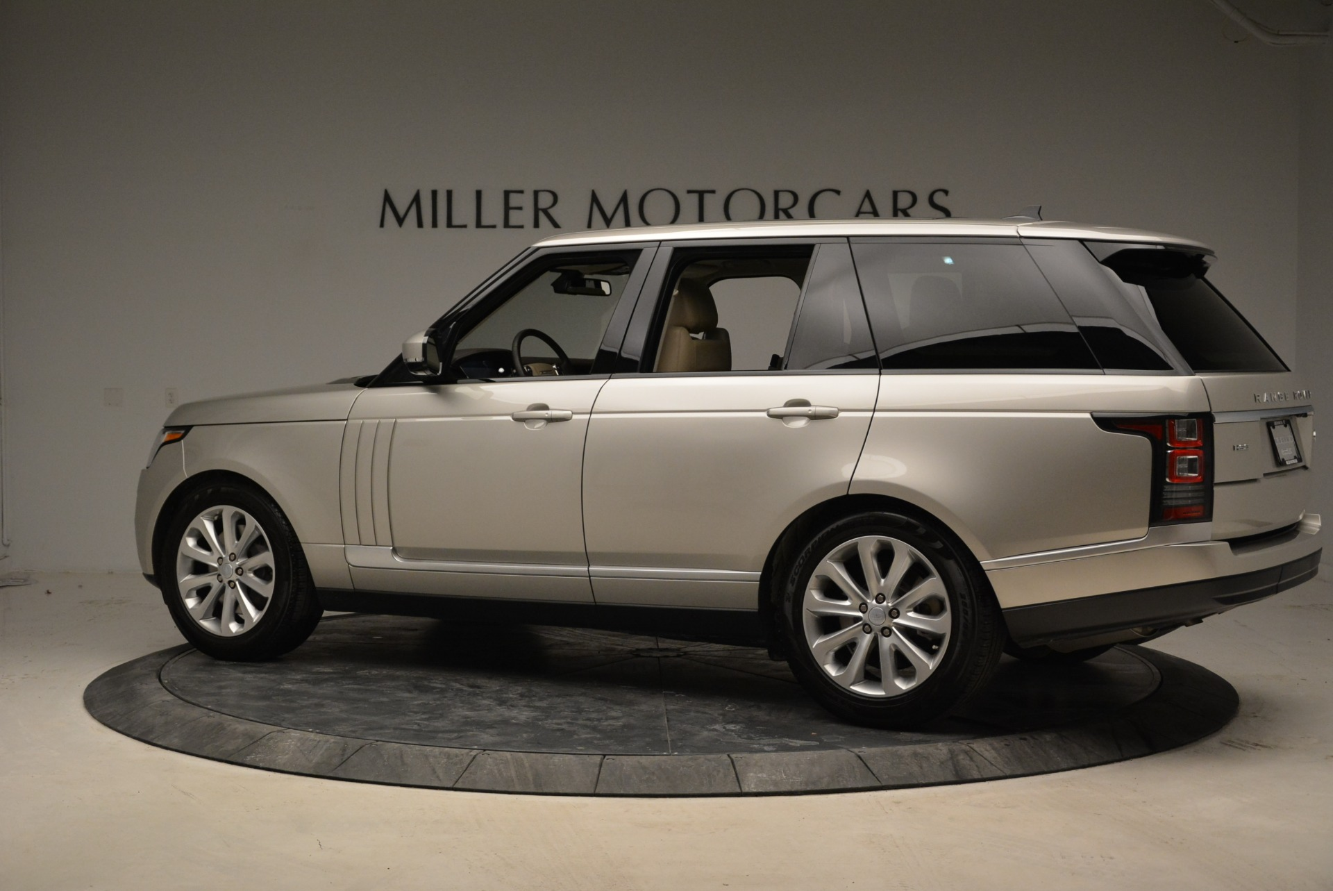 Used 2016 Land Rover Range Rover HSE For Sale In Greenwich, CT. Alfa Romeo of Greenwich, 7314 1962_p4