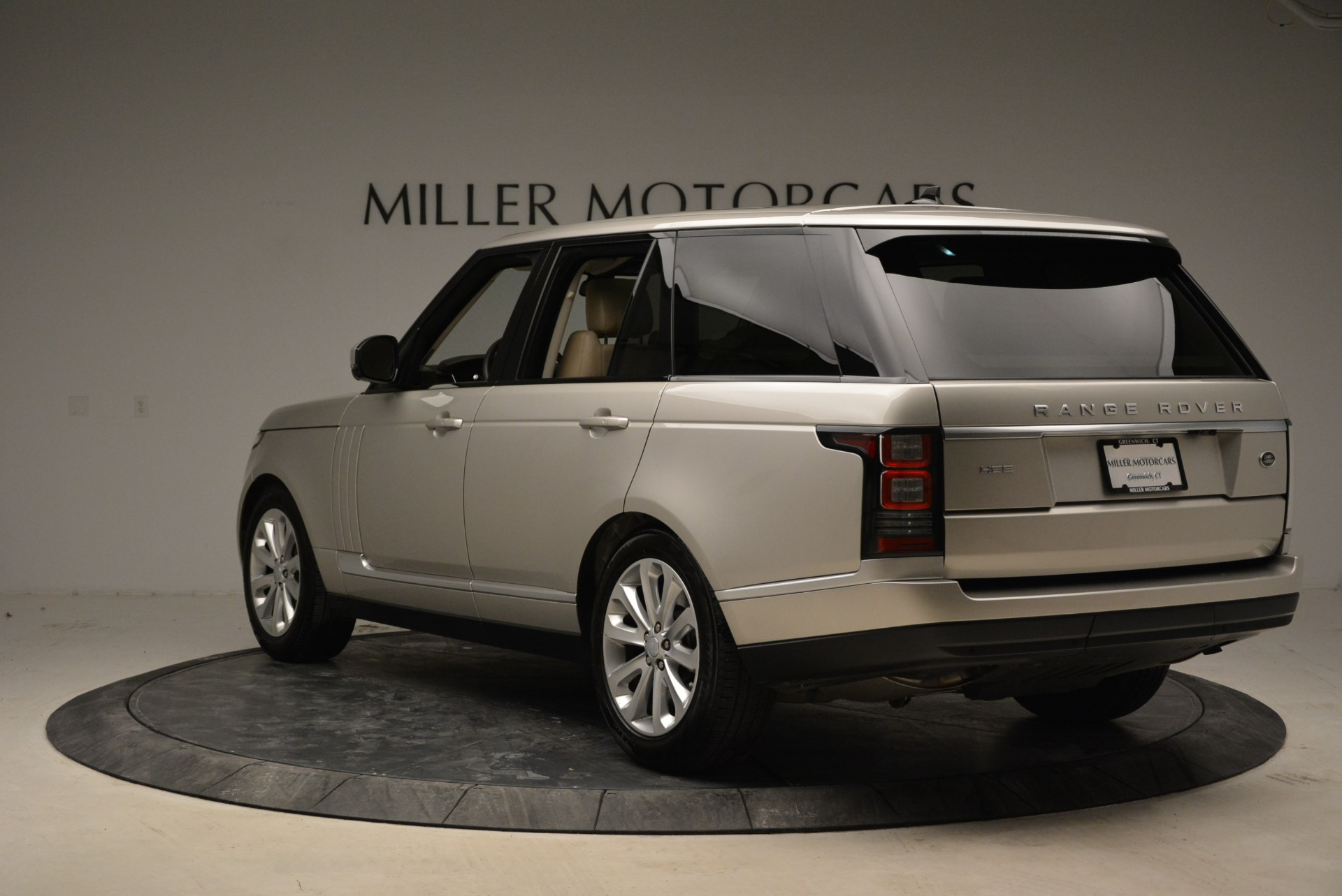 Used 2016 Land Rover Range Rover HSE For Sale In Greenwich, CT. Alfa Romeo of Greenwich, 7314 1962_p5