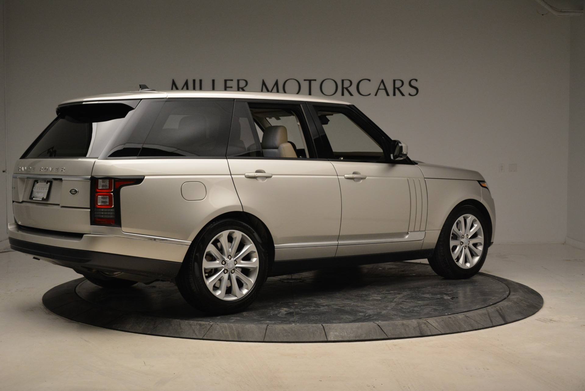 Used 2016 Land Rover Range Rover HSE For Sale In Greenwich, CT. Alfa Romeo of Greenwich, 7314 1962_p8
