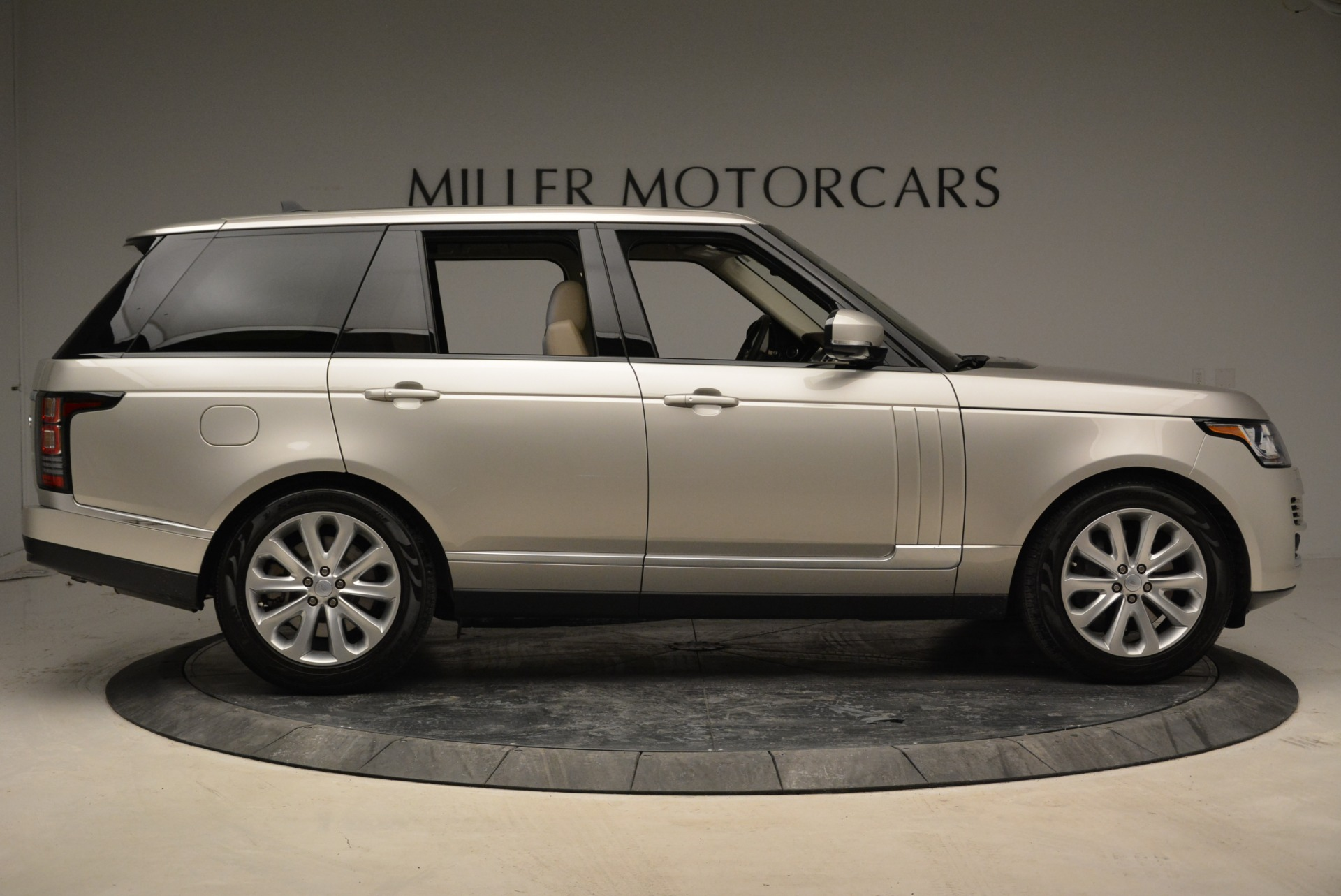 Used 2016 Land Rover Range Rover HSE For Sale In Greenwich, CT. Alfa Romeo of Greenwich, 7314 1962_p9