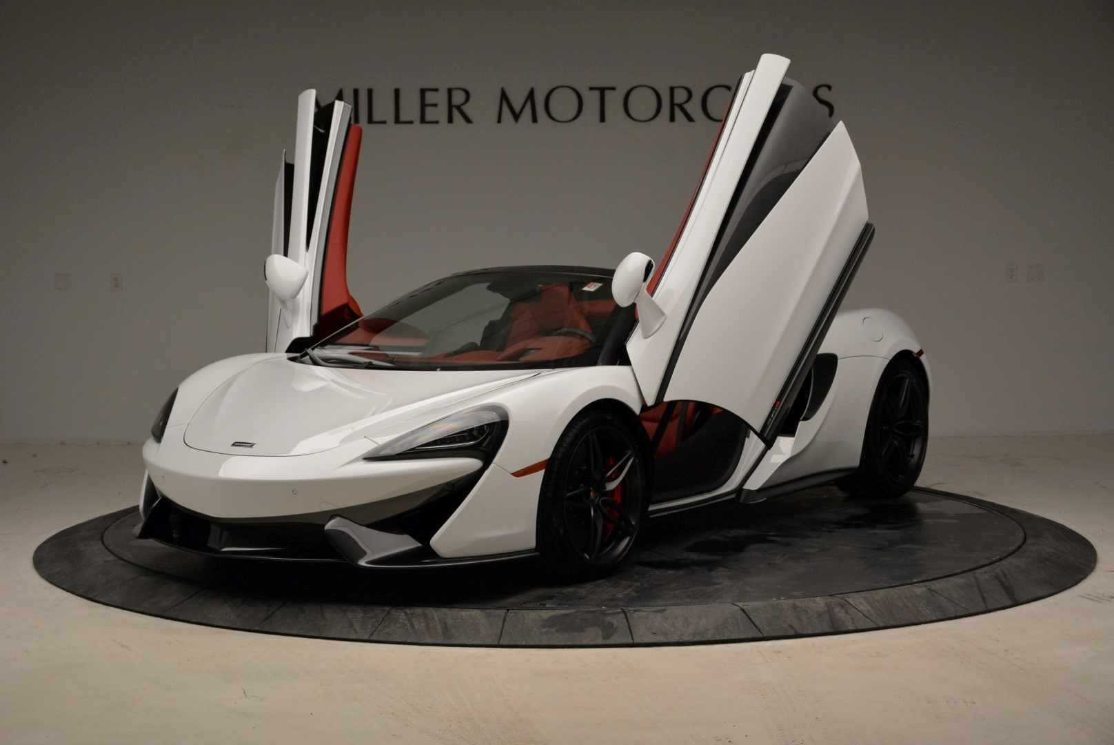 New 2018 McLaren 570S Spider For Sale In Greenwich, CT. Alfa Romeo of Greenwich, MC330 1969_p14