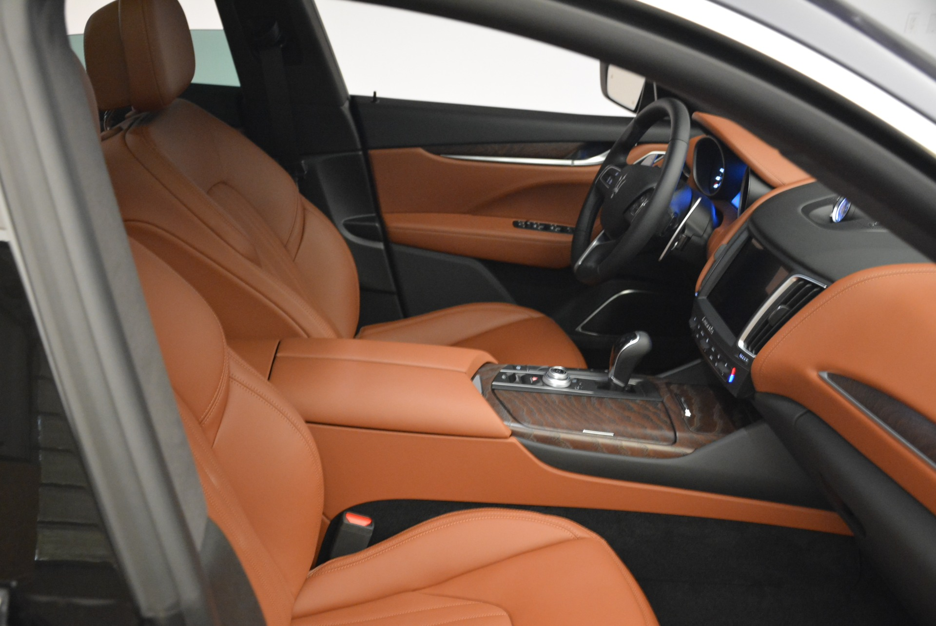 New 2018 Maserati Levante S Q4 GranLusso For Sale In Greenwich, CT. Alfa Romeo of Greenwich, M2039 1971_p20