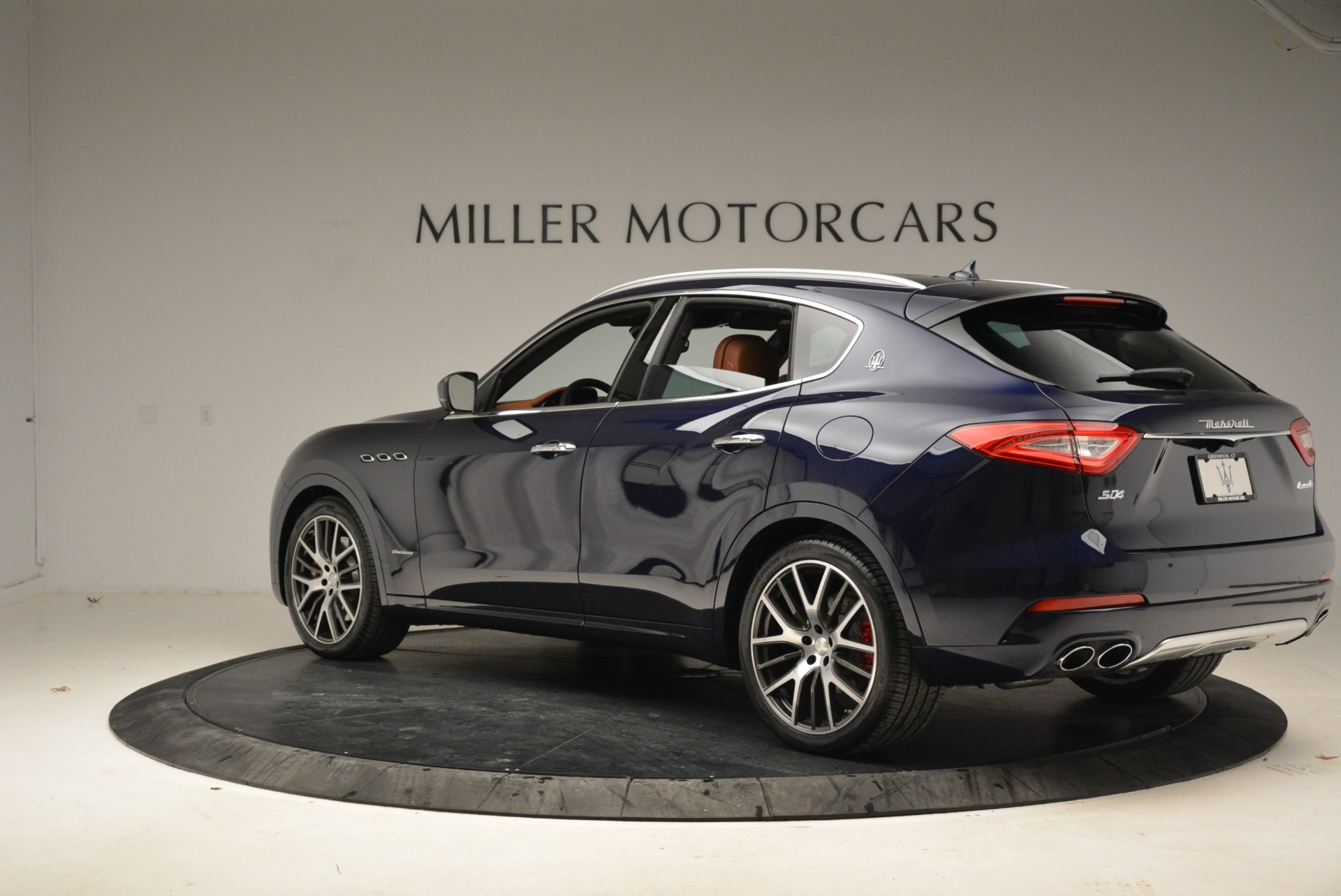 New 2018 Maserati Levante S Q4 GranLusso For Sale In Greenwich, CT. Alfa Romeo of Greenwich, M2039 1971_p6