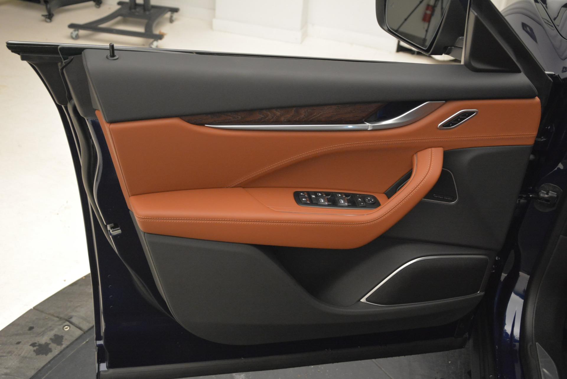 New 2018 Maserati Levante S Q4 GranLusso For Sale In Greenwich, CT. Alfa Romeo of Greenwich, M2038 1978_p16