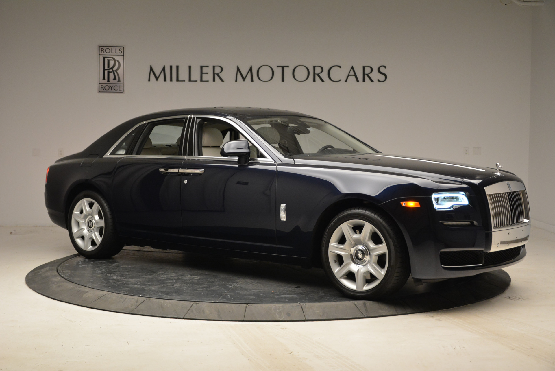 Used 2015 Rolls-Royce Ghost  For Sale In Greenwich, CT. Alfa Romeo of Greenwich, 7317 1980_p10