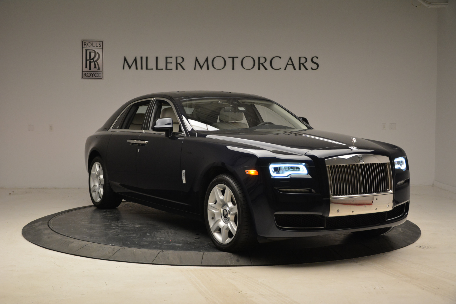 Used 2015 Rolls-Royce Ghost  For Sale In Greenwich, CT. Alfa Romeo of Greenwich, 7317 1980_p11