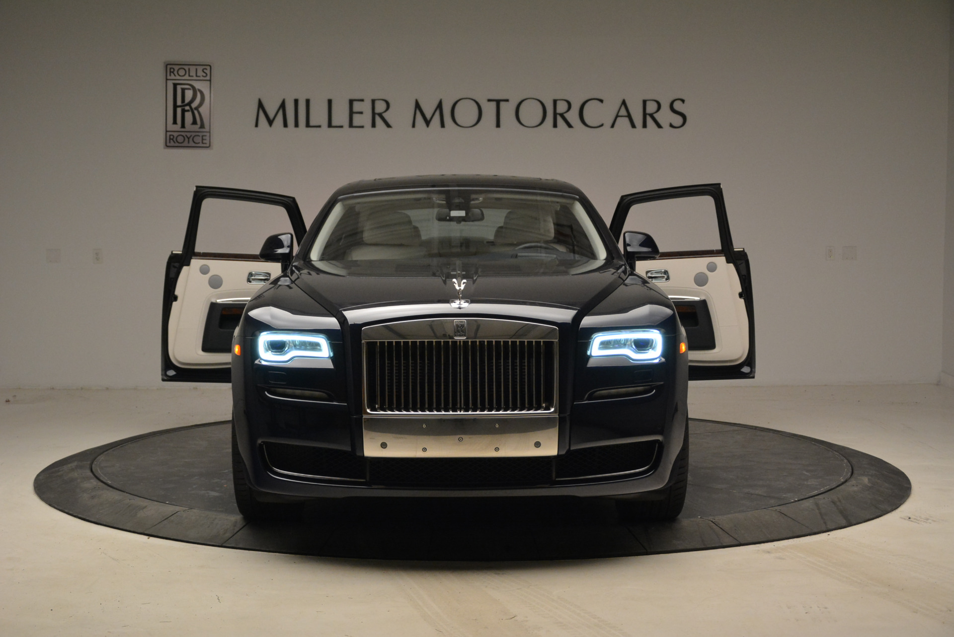 Used 2015 Rolls-Royce Ghost  For Sale In Greenwich, CT. Alfa Romeo of Greenwich, 7317 1980_p13