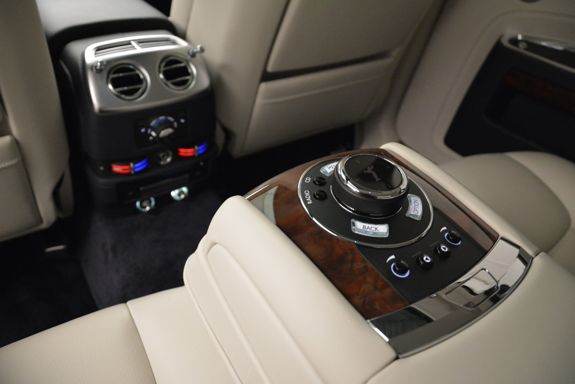 Used 2015 Rolls-Royce Ghost  For Sale In Greenwich, CT. Alfa Romeo of Greenwich, 7317 1980_p28