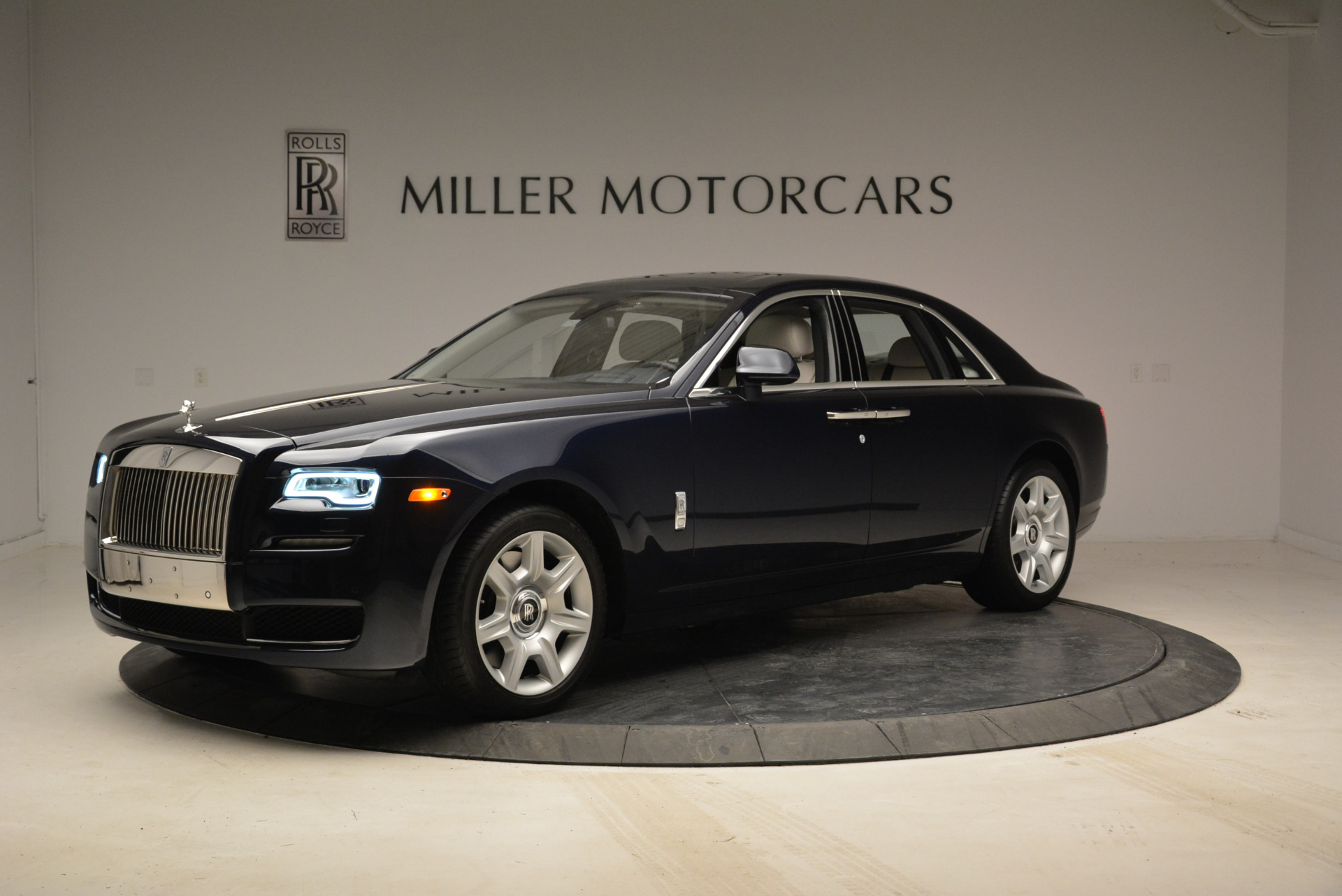 Used 2015 Rolls-Royce Ghost  For Sale In Greenwich, CT. Alfa Romeo of Greenwich, 7317 1980_p2