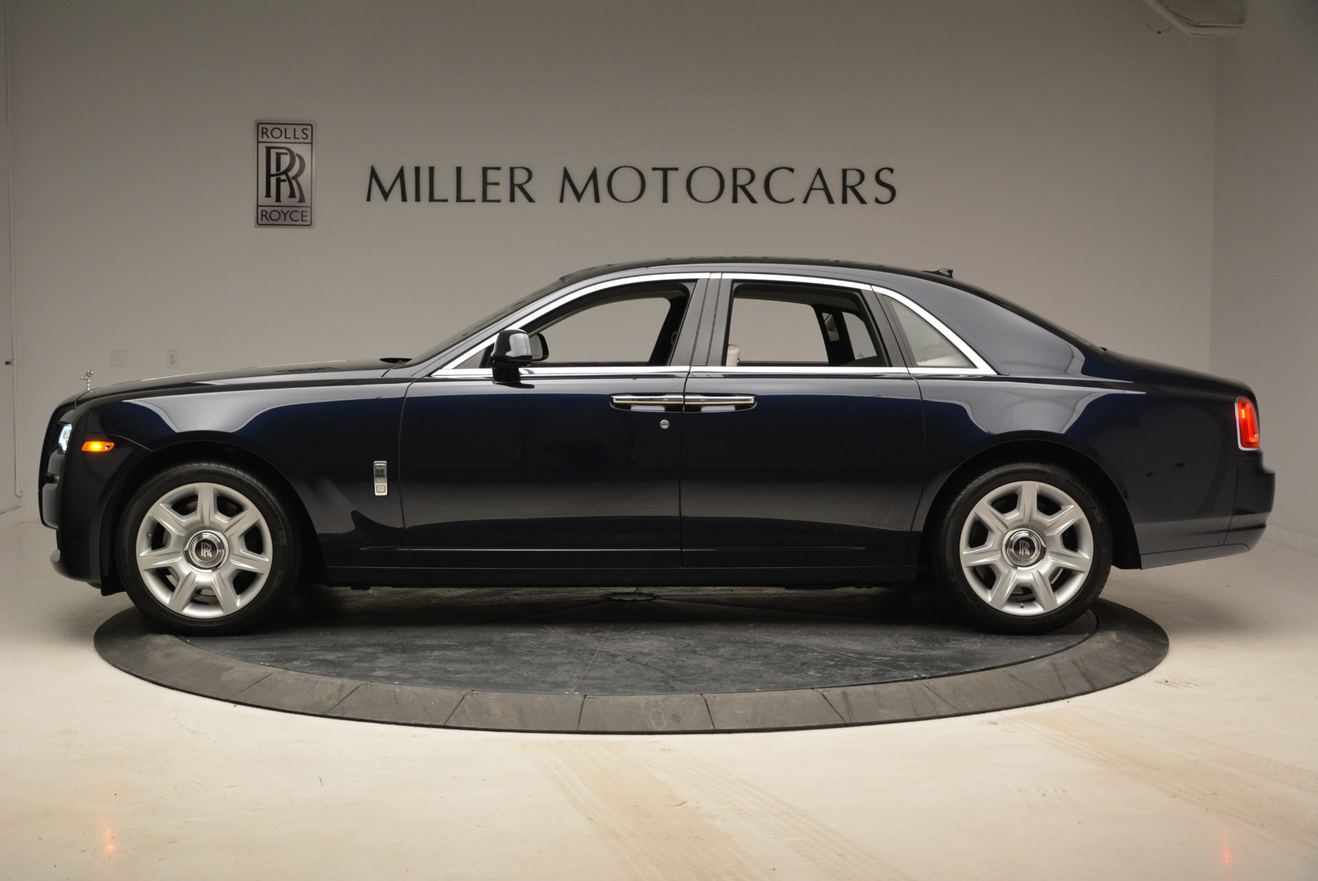 Used 2015 Rolls-Royce Ghost  For Sale In Greenwich, CT. Alfa Romeo of Greenwich, 7317 1980_p3