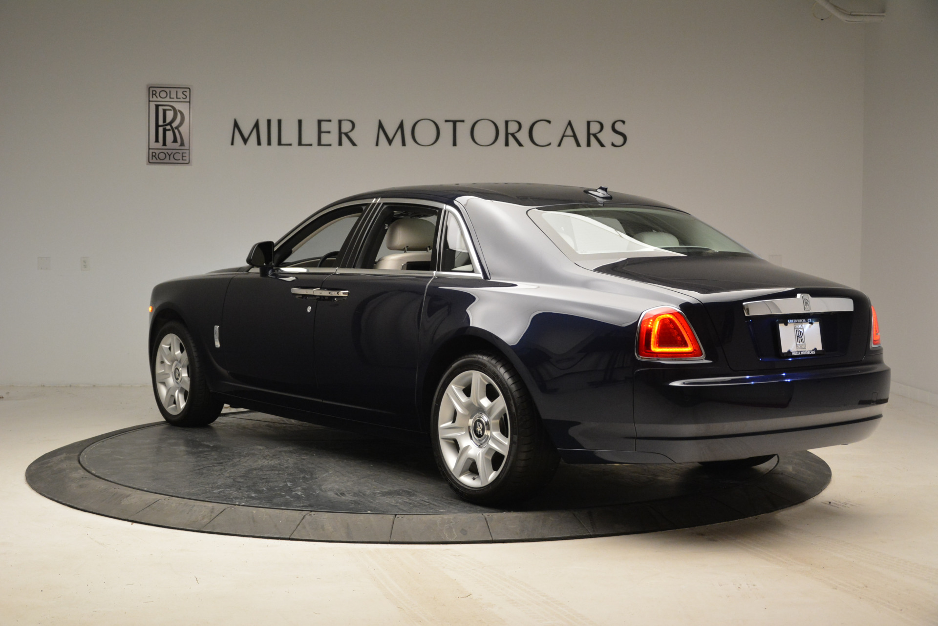 Used 2015 Rolls-Royce Ghost  For Sale In Greenwich, CT. Alfa Romeo of Greenwich, 7317 1980_p5