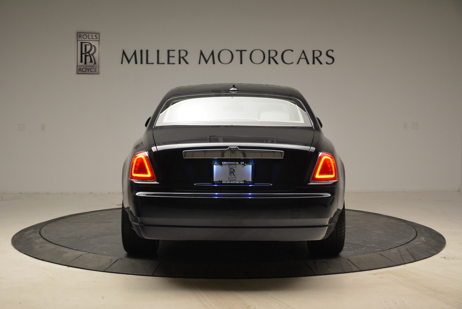 Used 2015 Rolls-Royce Ghost  For Sale In Greenwich, CT. Alfa Romeo of Greenwich, 7317 1980_p6
