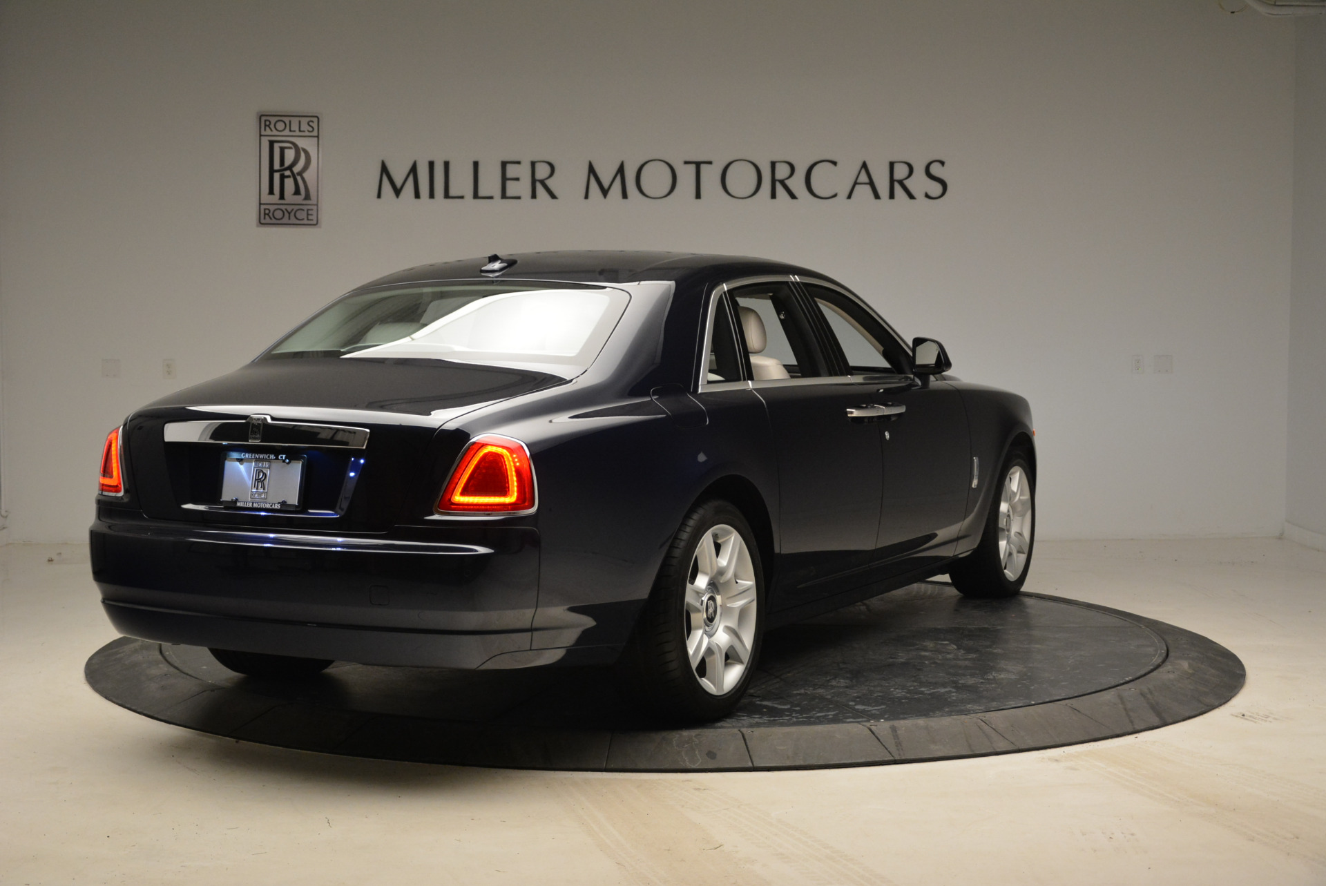 Used 2015 Rolls-Royce Ghost  For Sale In Greenwich, CT. Alfa Romeo of Greenwich, 7317 1980_p7