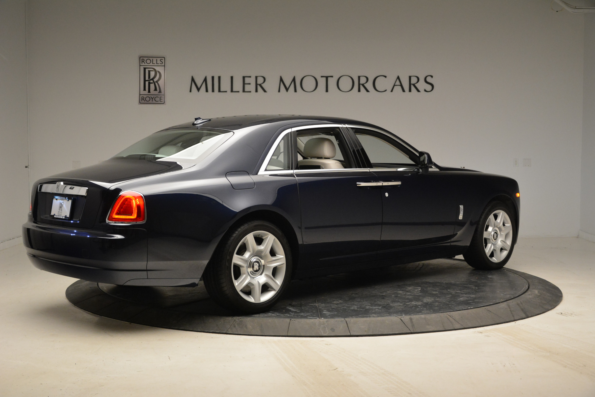 Used 2015 Rolls-Royce Ghost  For Sale In Greenwich, CT. Alfa Romeo of Greenwich, 7317 1980_p8