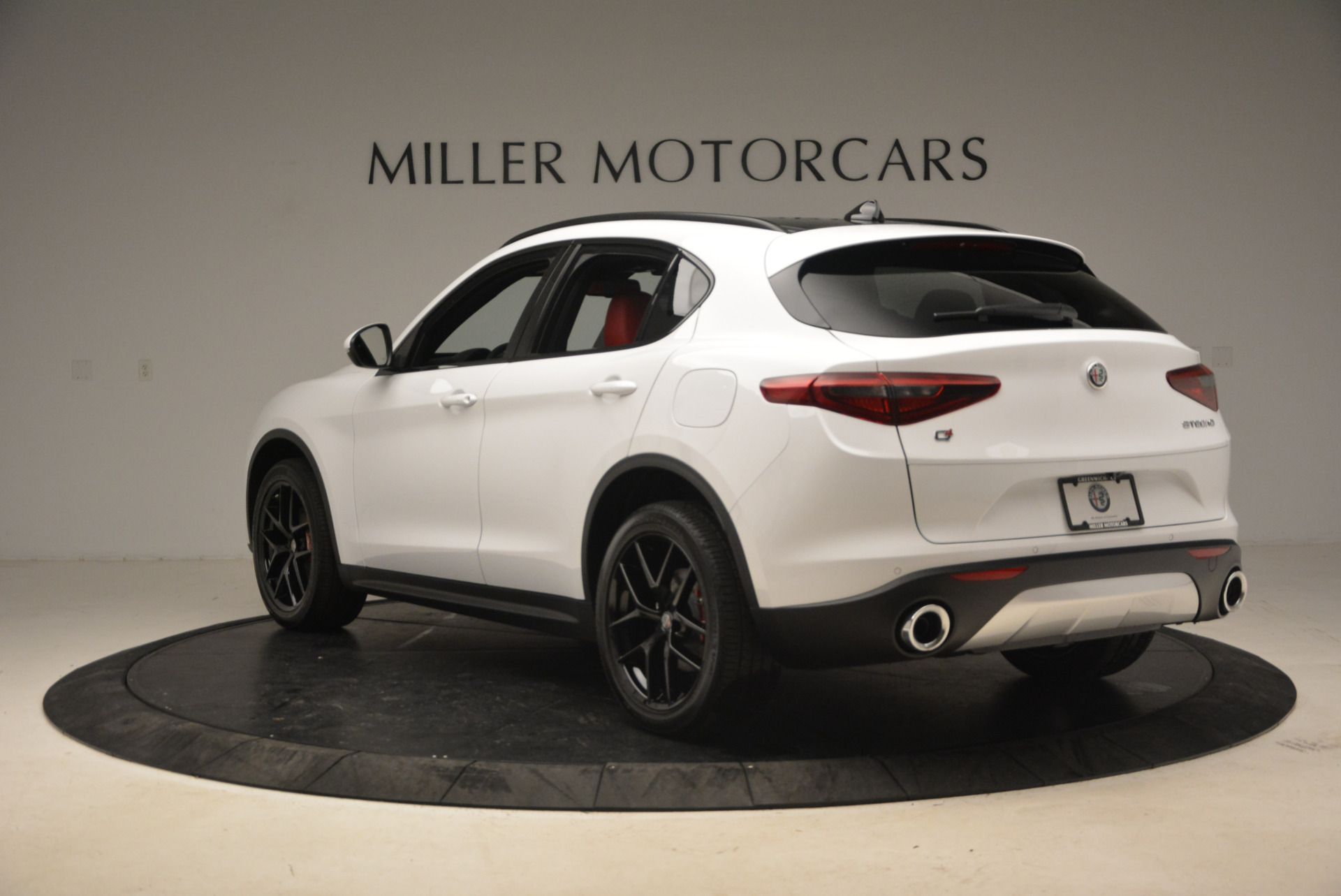 New 2018 Alfa Romeo Stelvio Ti Sport Q4 For Sale In Greenwich, CT. Alfa Romeo of Greenwich, L329 1991_p5