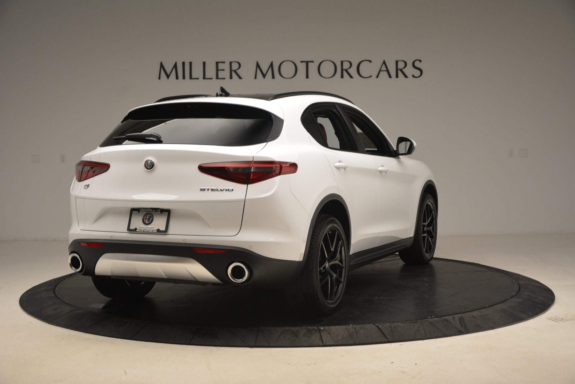 New 2018 Alfa Romeo Stelvio Ti Sport Q4 For Sale In Greenwich, CT. Alfa Romeo of Greenwich, L329 1991_p7