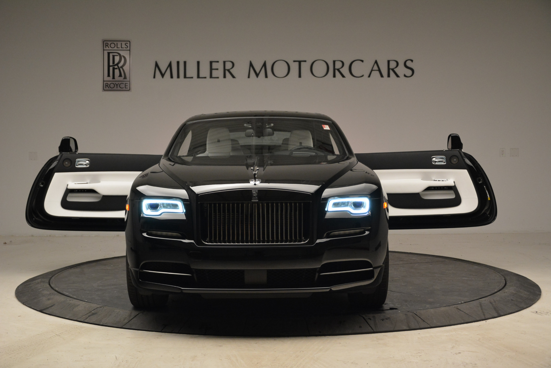 Used 2017 Rolls-Royce Wraith Black Badge For Sale In Greenwich, CT. Alfa Romeo of Greenwich, R452 1994_p13
