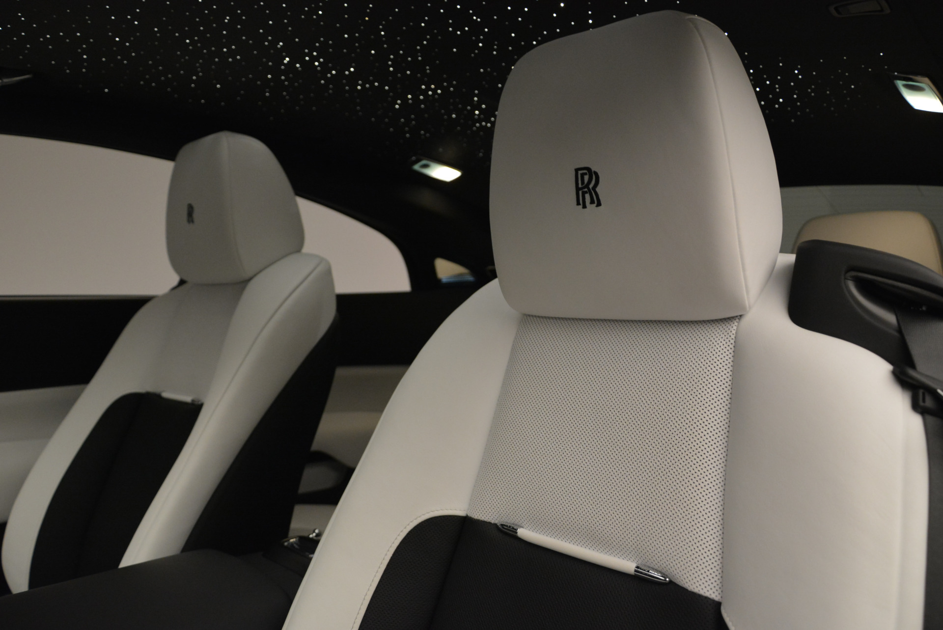 Used 2017 Rolls-Royce Wraith Black Badge For Sale In Greenwich, CT. Alfa Romeo of Greenwich, R452 1994_p15
