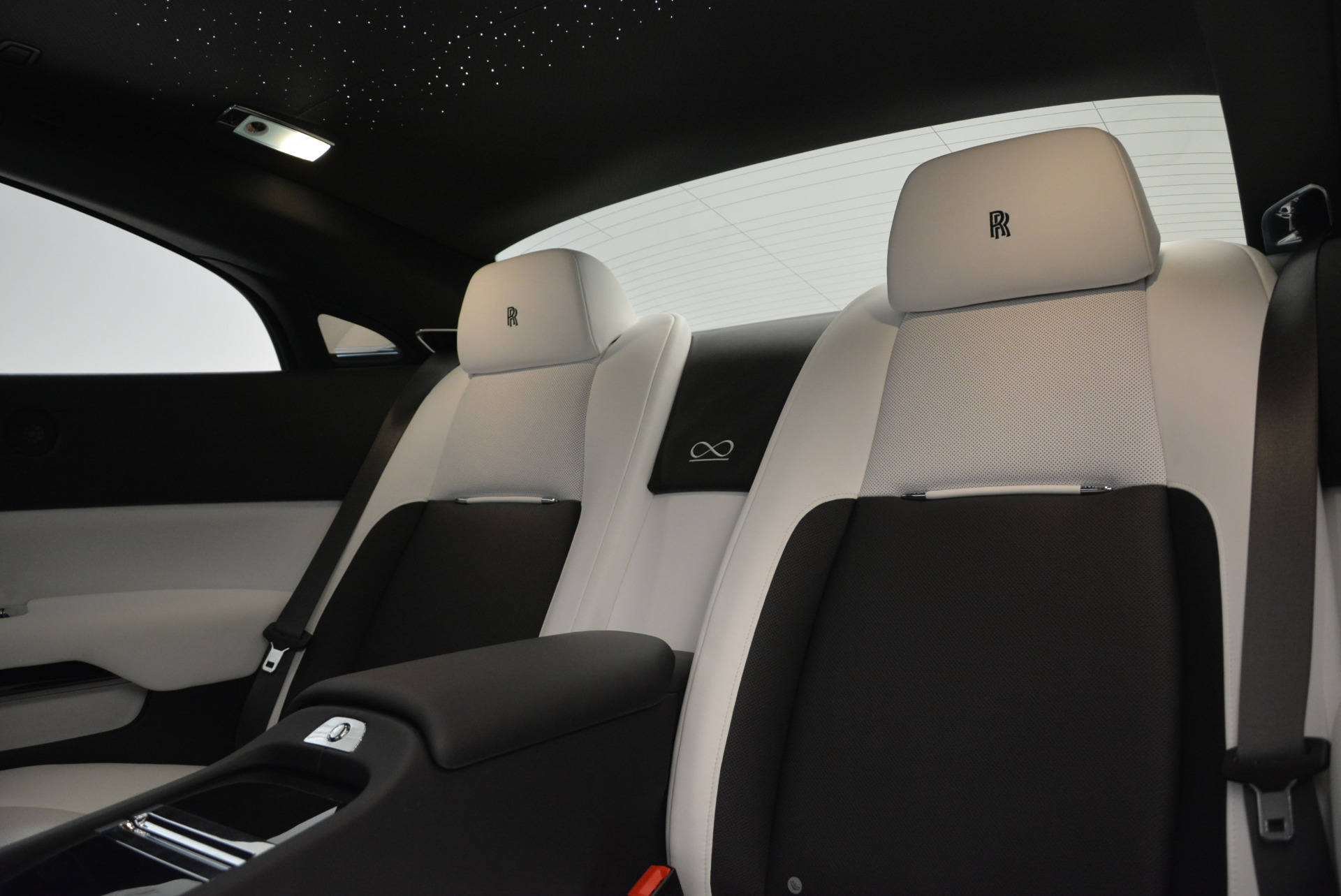 Used 2017 Rolls-Royce Wraith Black Badge For Sale In Greenwich, CT. Alfa Romeo of Greenwich, R452 1994_p22