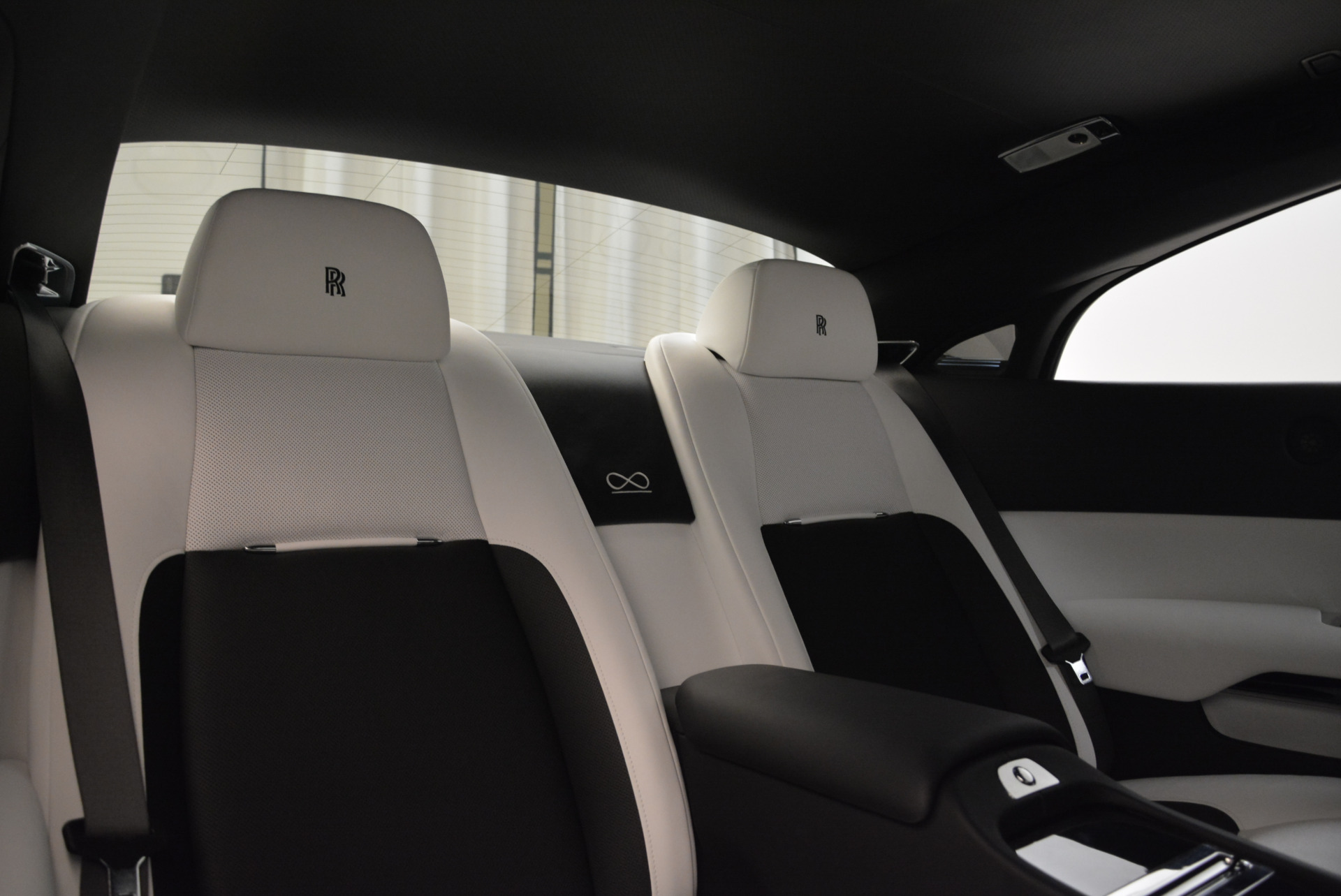 Used 2017 Rolls-Royce Wraith Black Badge For Sale In Greenwich, CT. Alfa Romeo of Greenwich, R452 1994_p27