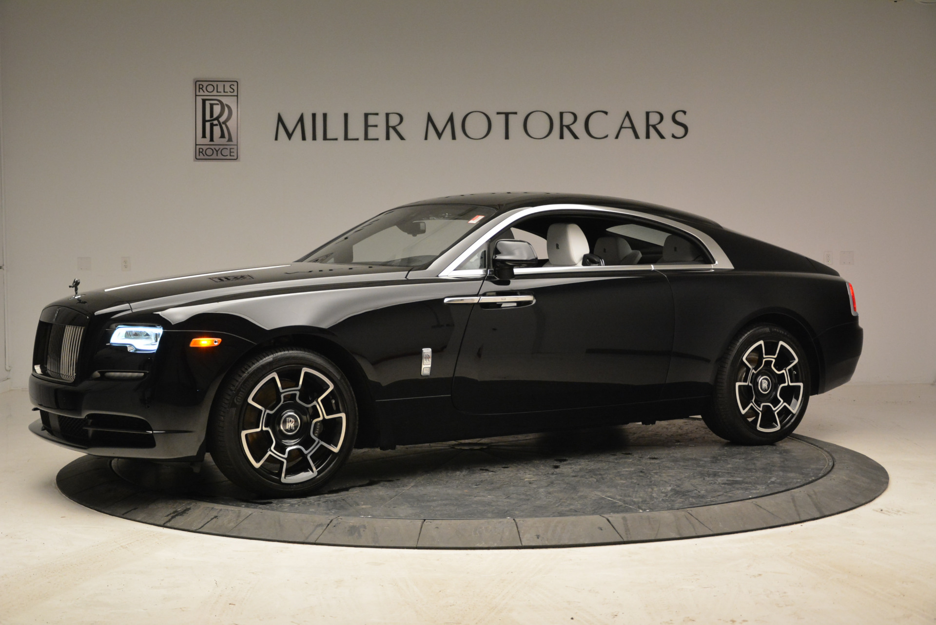 Used 2017 Rolls-Royce Wraith Black Badge For Sale In Greenwich, CT. Alfa Romeo of Greenwich, R452 1994_p2