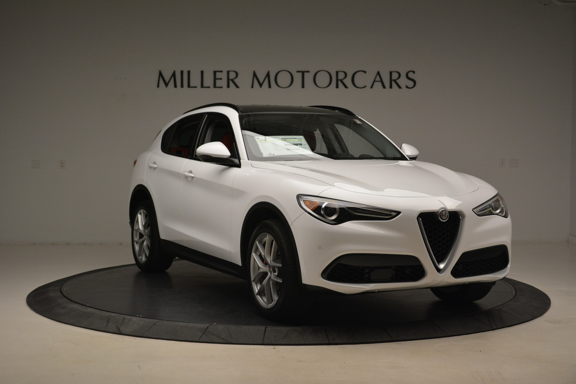 New 2018 Alfa Romeo Stelvio Ti Sport Q4 For Sale In Greenwich, CT. Alfa Romeo of Greenwich, L339 2008_p11