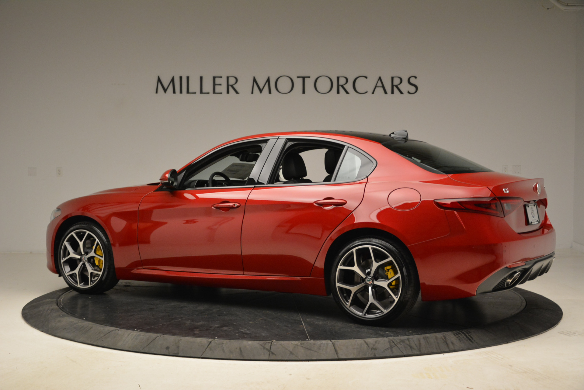 New 2018 Alfa Romeo Giulia Ti Sport Q4 For Sale In Greenwich, CT. Alfa Romeo of Greenwich, L342 2016_p4