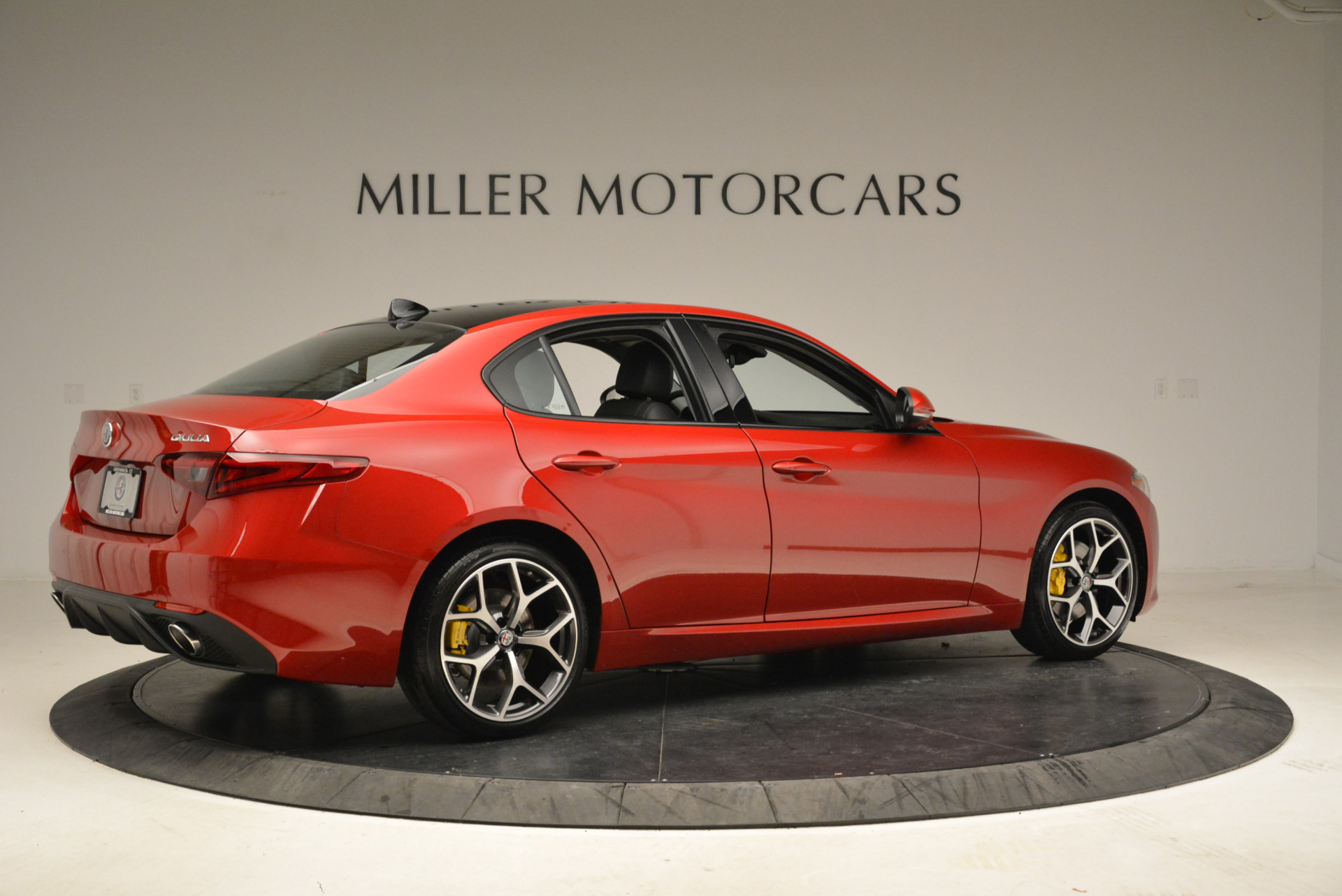 New 2018 Alfa Romeo Giulia Ti Sport Q4 For Sale In Greenwich, CT. Alfa Romeo of Greenwich, L342 2016_p8