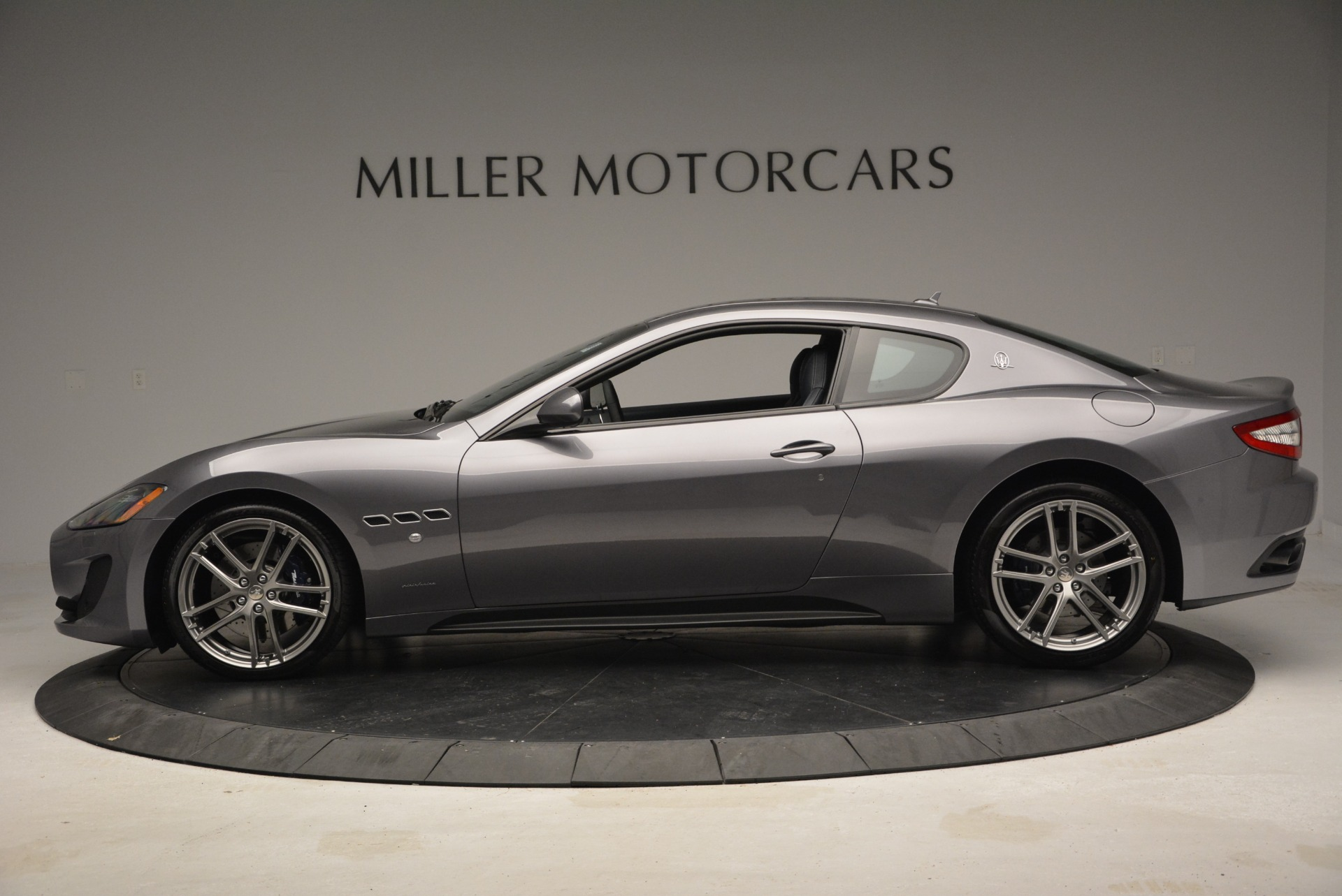 Used 2016 Maserati GranTurismo Sport For Sale In Greenwich, CT. Alfa Romeo of Greenwich, W567A 2021_p4