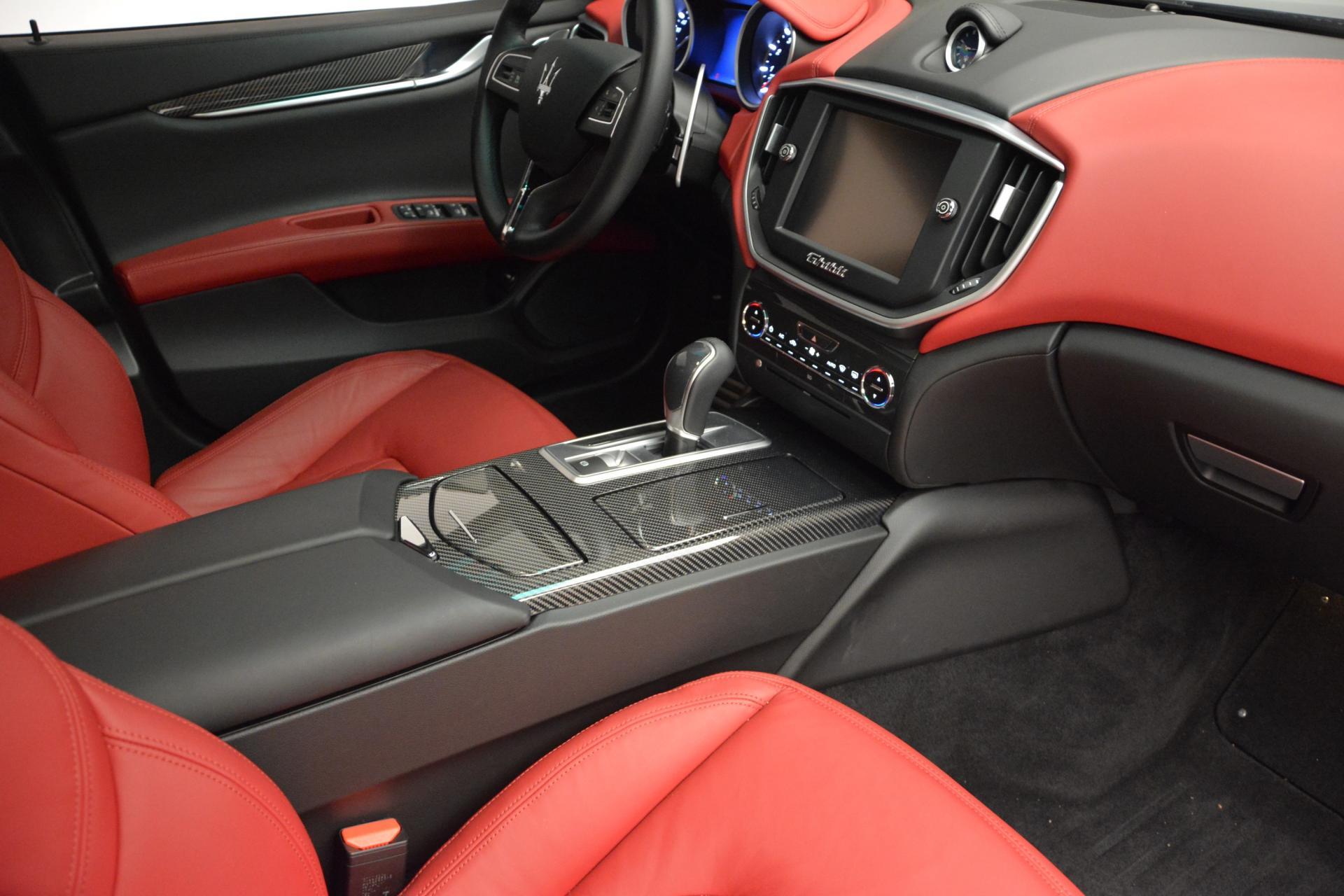 New 2016 Maserati Ghibli S Q4 For Sale In Greenwich, CT. Alfa Romeo of Greenwich, M1563 204_p20
