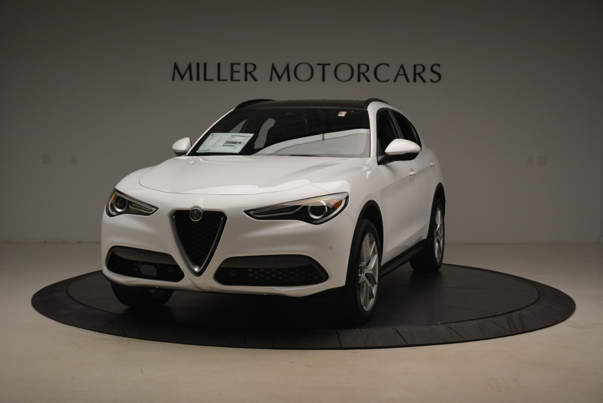 New 2018 Alfa Romeo Stelvio Ti Sport Q4 For Sale In Greenwich, CT. Alfa Romeo of Greenwich, LW127