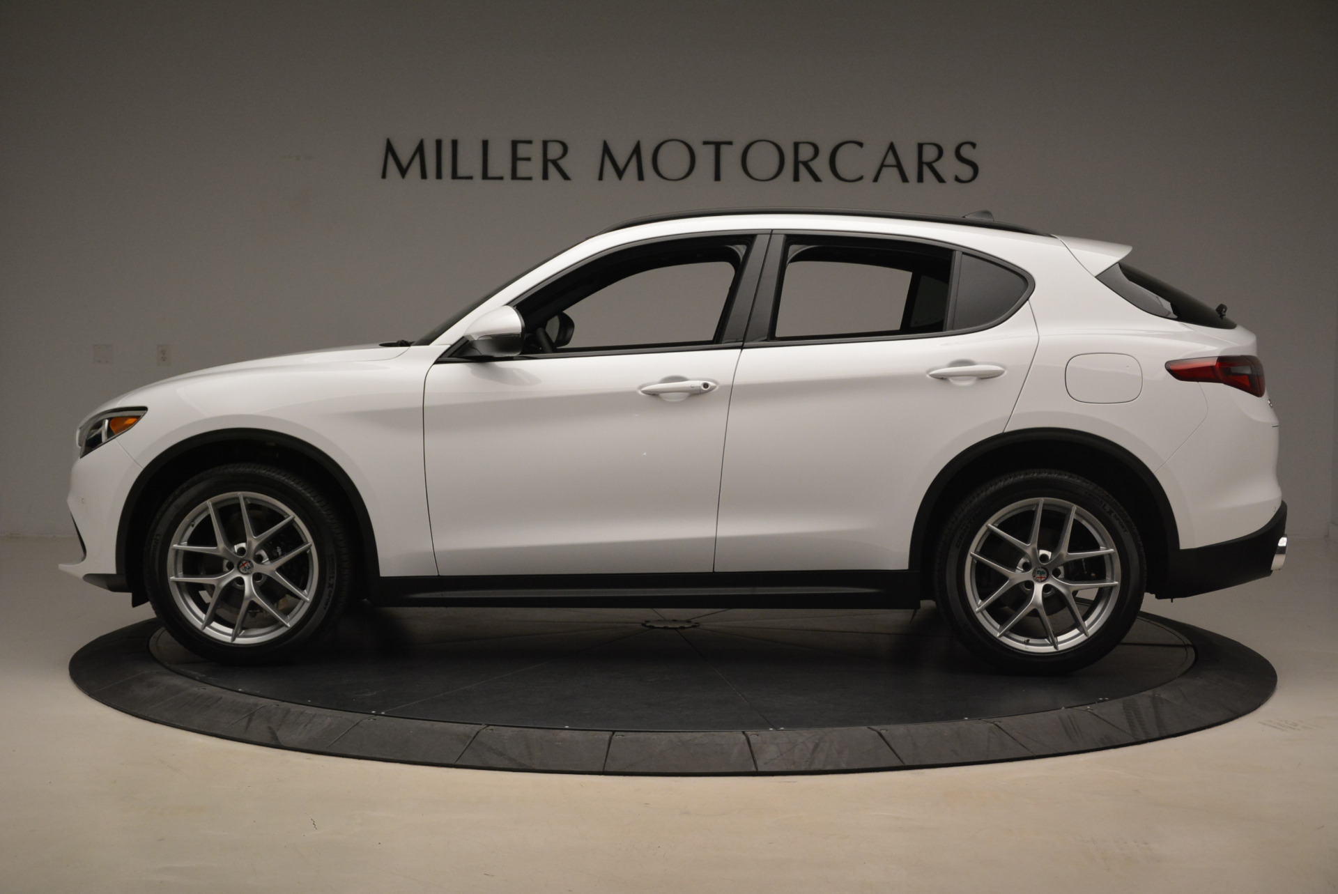 New 2018 Alfa Romeo Stelvio Ti Sport Q4 For Sale In Greenwich, CT. Alfa Romeo of Greenwich, LW127 2044_p3