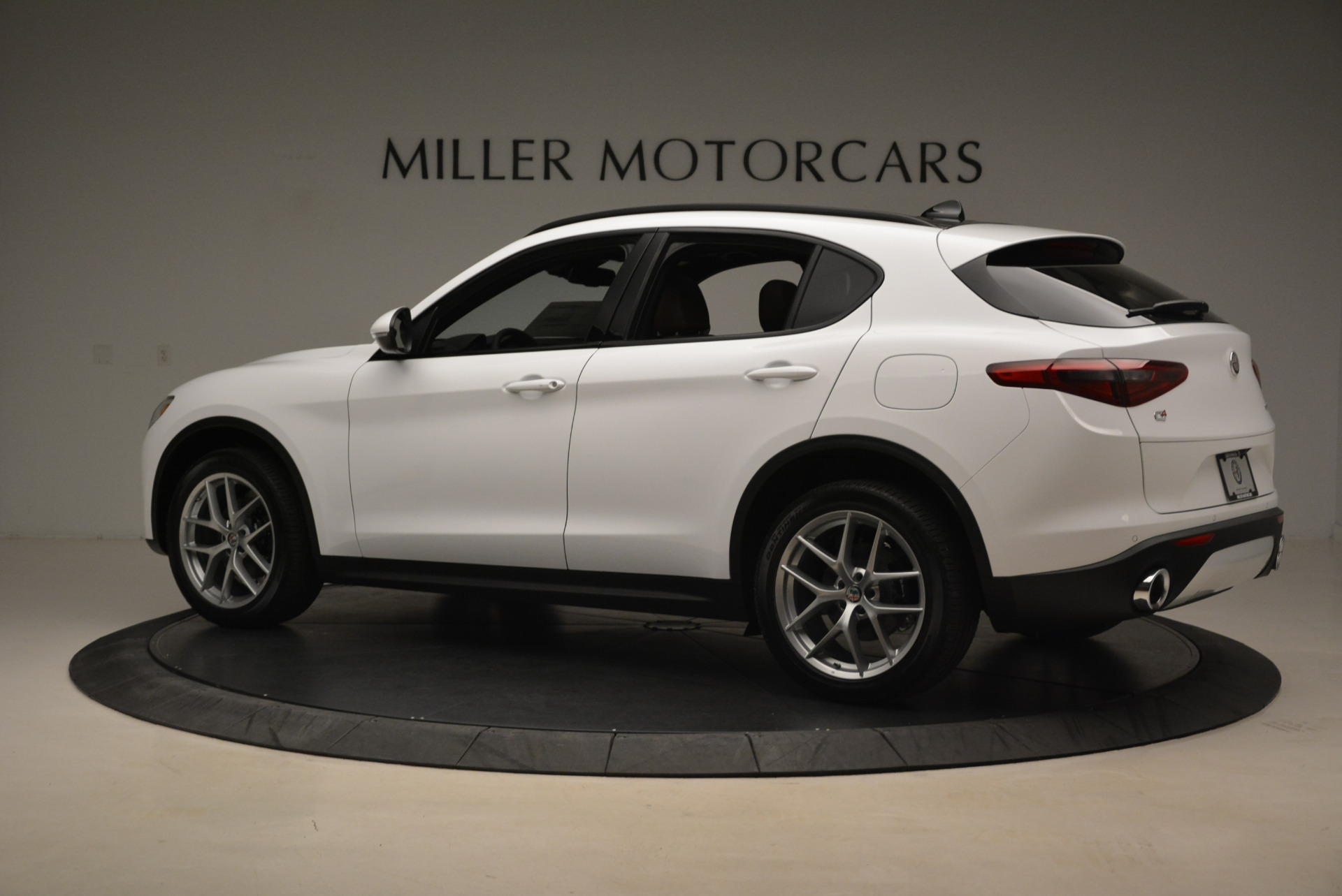 New 2018 Alfa Romeo Stelvio Ti Sport Q4 For Sale In Greenwich, CT. Alfa Romeo of Greenwich, LW127 2044_p4