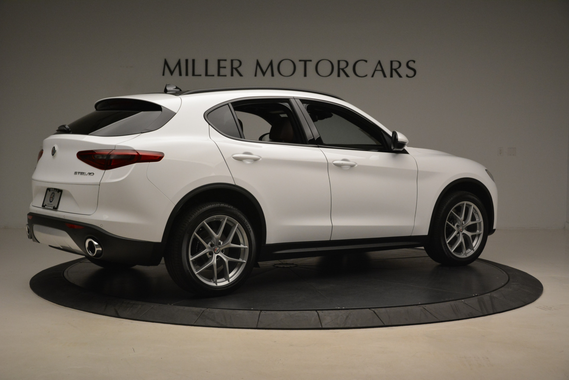 New 2018 Alfa Romeo Stelvio Ti Sport Q4 For Sale In Greenwich, CT. Alfa Romeo of Greenwich, LW127 2044_p8