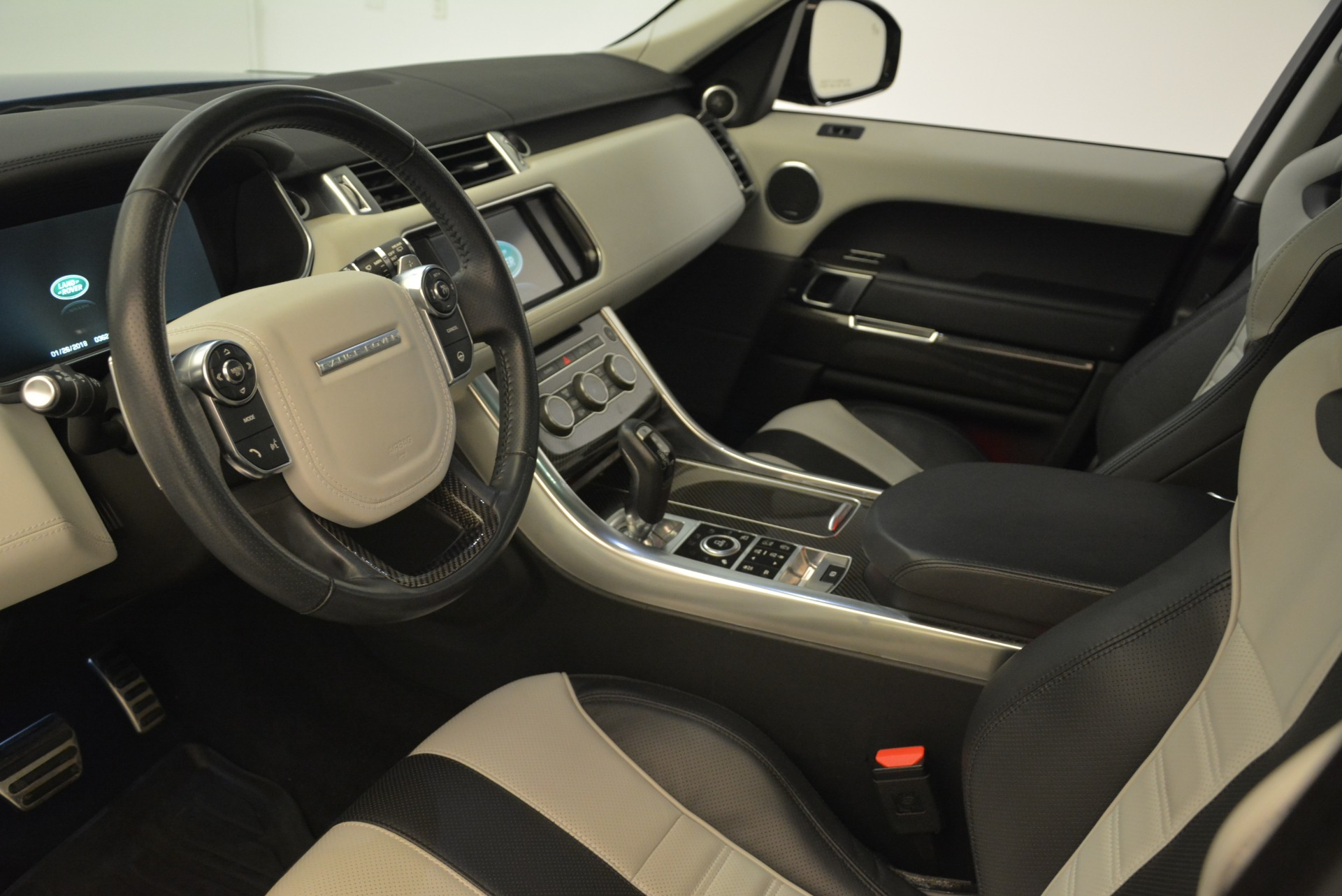Used 2015 Land Rover Range Rover Sport SVR For Sale In Greenwich, CT. Alfa Romeo of Greenwich, 7322 2046_p15