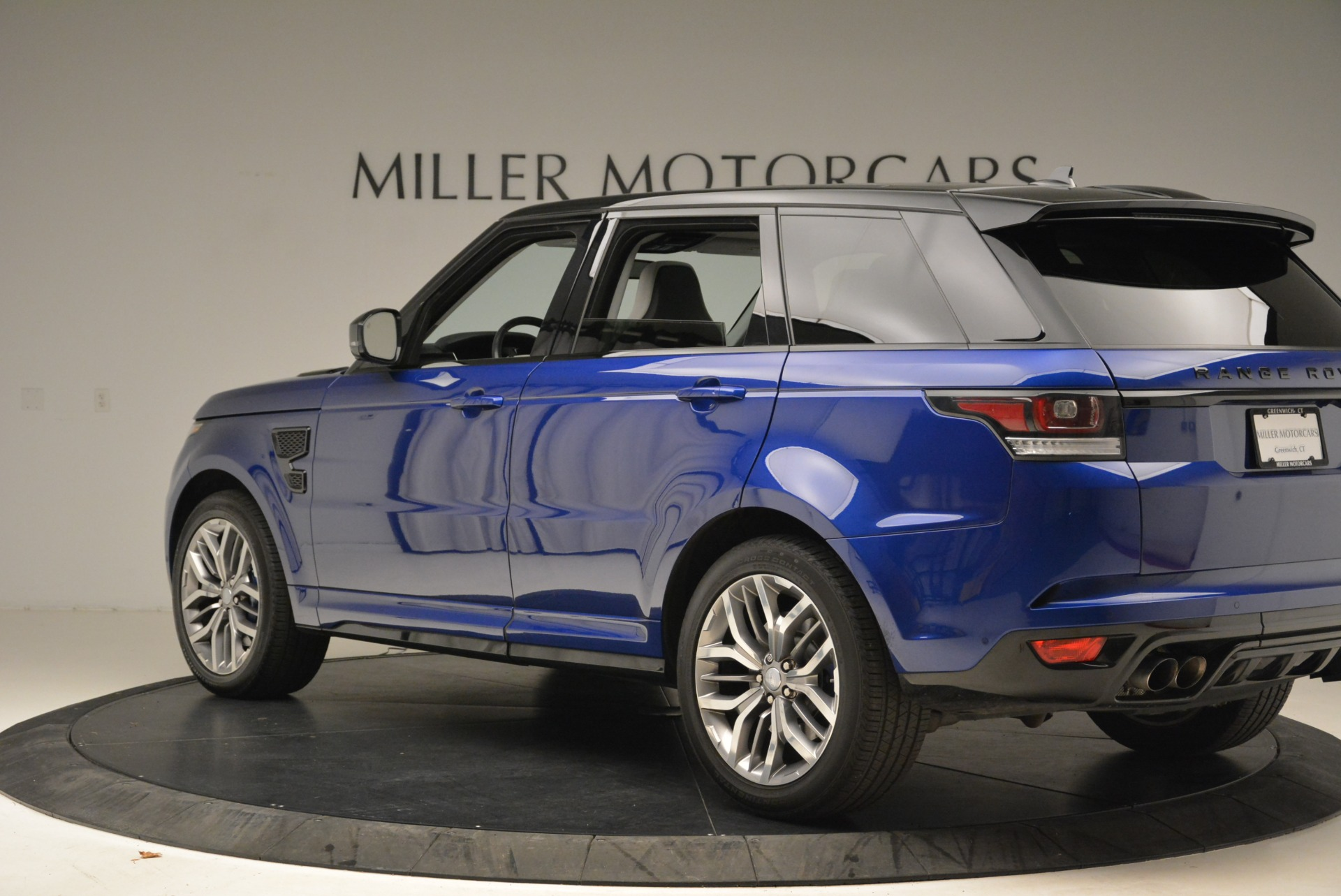 Used 2015 Land Rover Range Rover Sport SVR For Sale In Greenwich, CT. Alfa Romeo of Greenwich, 7322 2046_p4