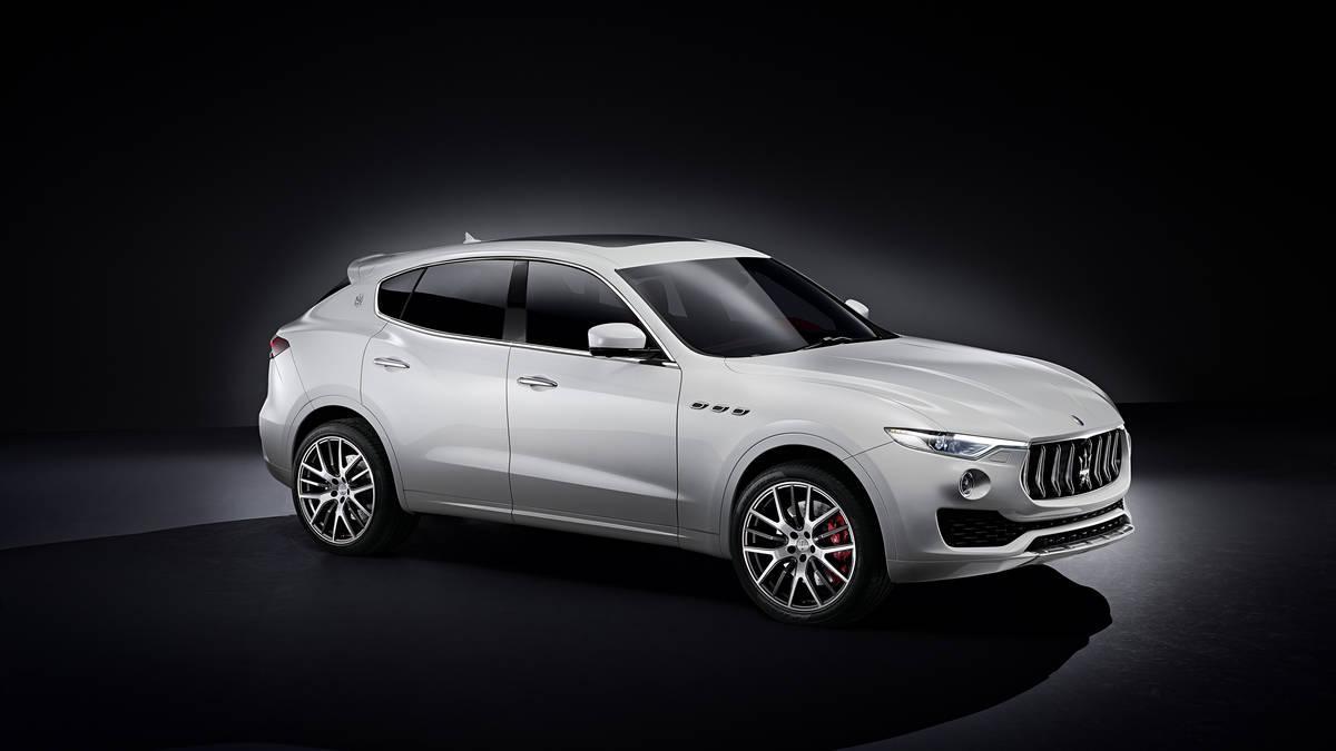 New 2017 Maserati Levante  For Sale In Greenwich, CT. Alfa Romeo of Greenwich, 1234 205_p3