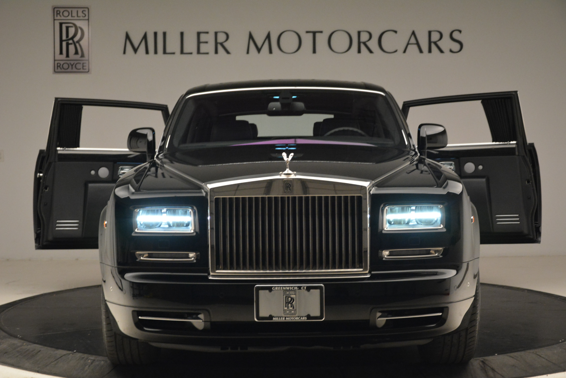 Used 2014 Rolls-Royce Phantom EWB For Sale In Greenwich, CT. Alfa Romeo of Greenwich, 7319 2051_p6