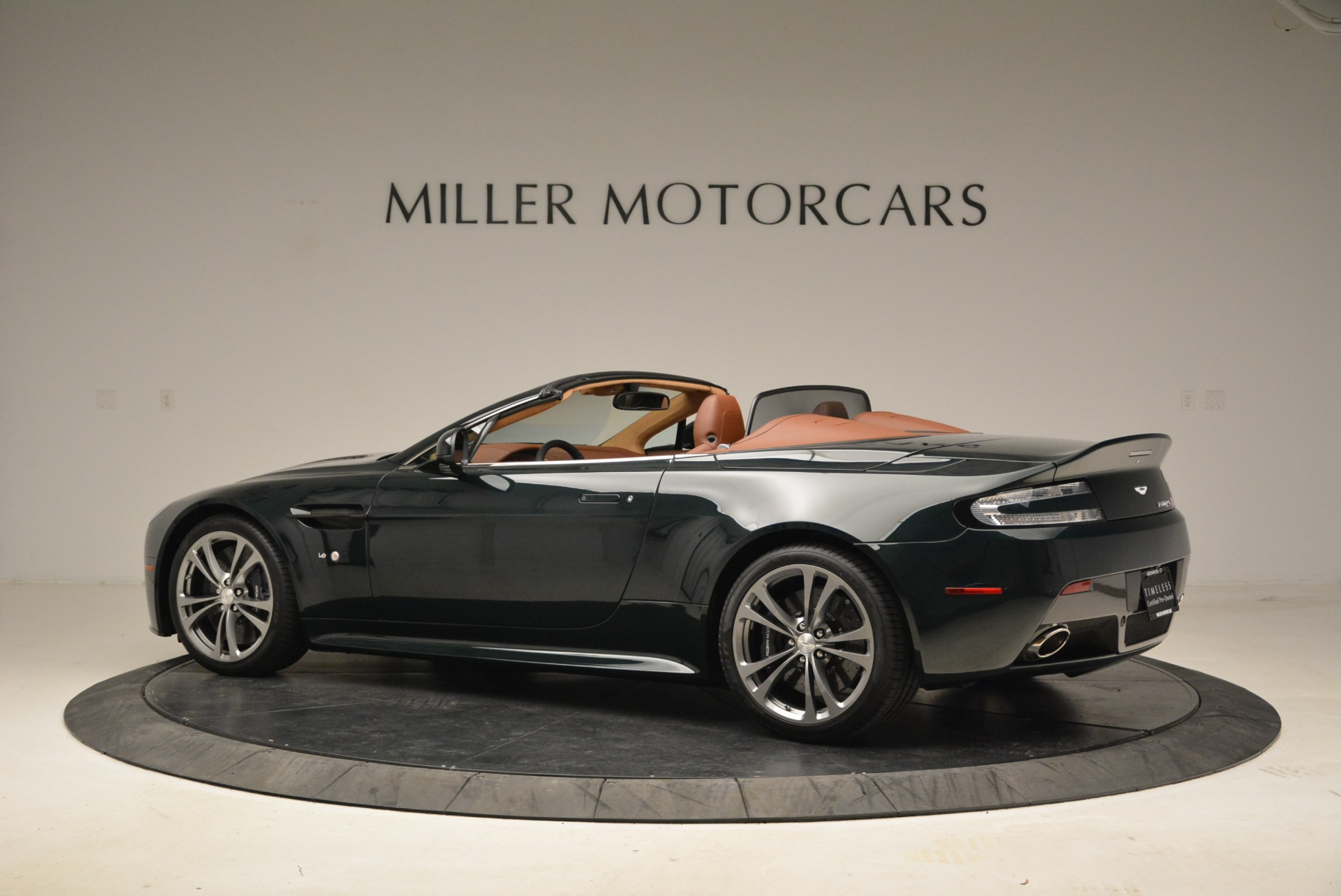 Used 2017 Aston Martin V12 Vantage S Roadster For Sale In Greenwich, CT. Alfa Romeo of Greenwich, 7347 2055_p4