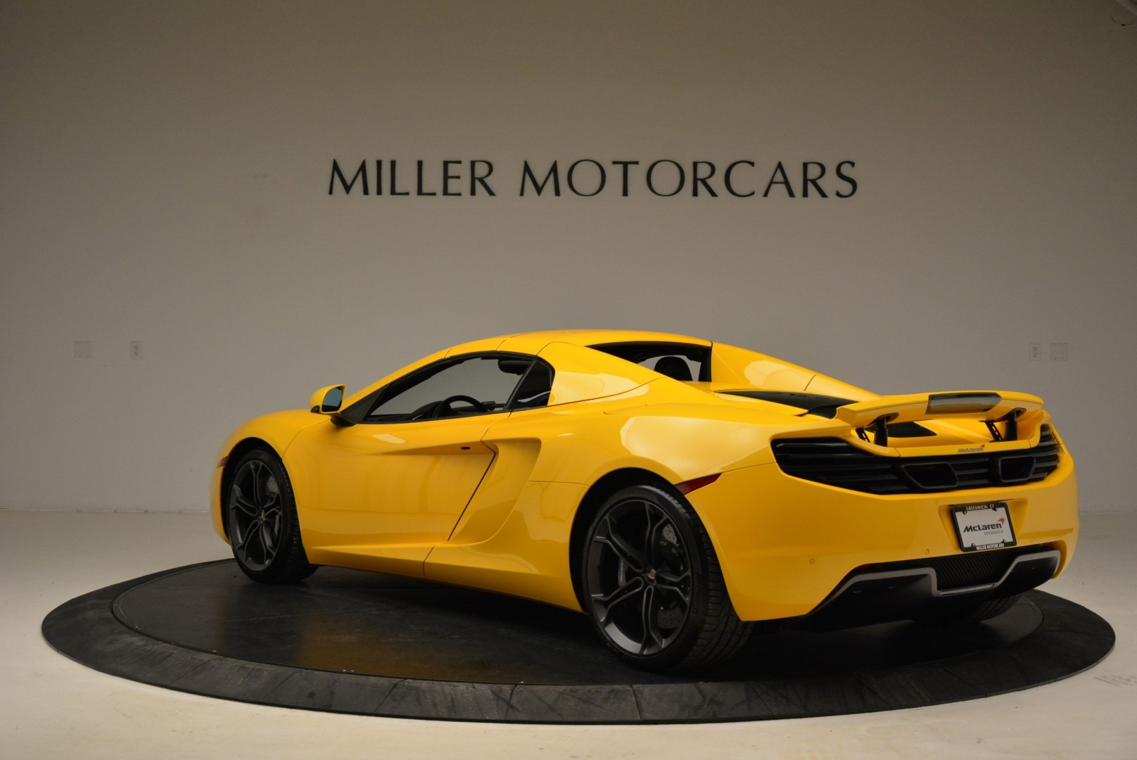 Used 2014 McLaren MP4-12C Spider For Sale In Greenwich, CT. Alfa Romeo of Greenwich, 3134 2057_p17