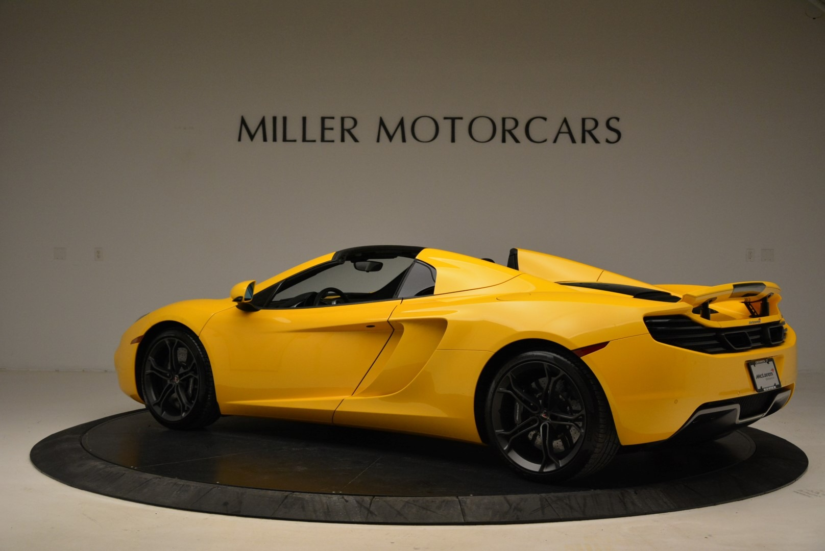 Used 2014 McLaren MP4-12C Spider For Sale In Greenwich, CT. Alfa Romeo of Greenwich, 3134 2057_p4