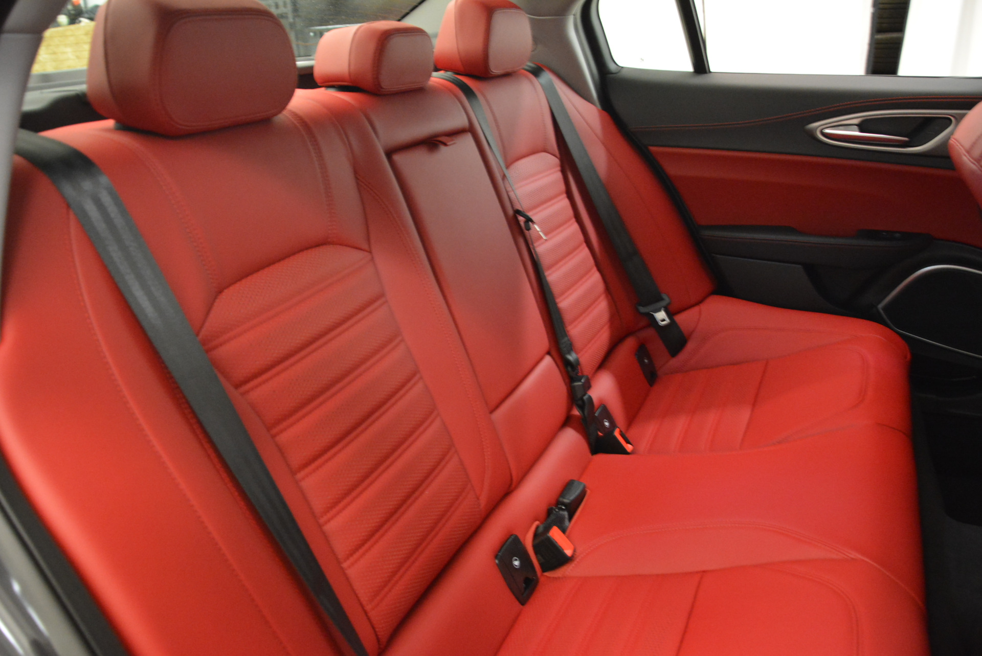 New 2018 Alfa Romeo Giulia Ti Sport Q4 For Sale In Greenwich, CT. Alfa Romeo of Greenwich, LW130 2060_p24