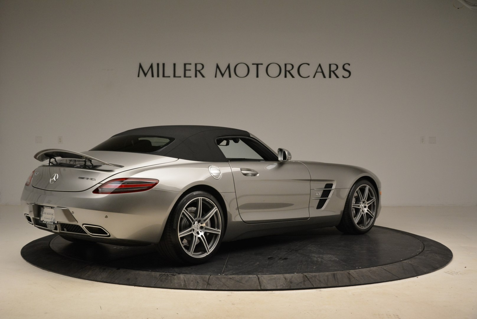 Used 2012 Mercedes-Benz SLS AMG  For Sale In Greenwich, CT. Alfa Romeo of Greenwich, 7330 2068_p17