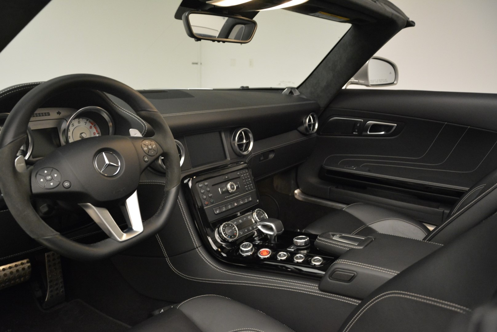 Used 2012 Mercedes-Benz SLS AMG  For Sale In Greenwich, CT. Alfa Romeo of Greenwich, 7330 2068_p23
