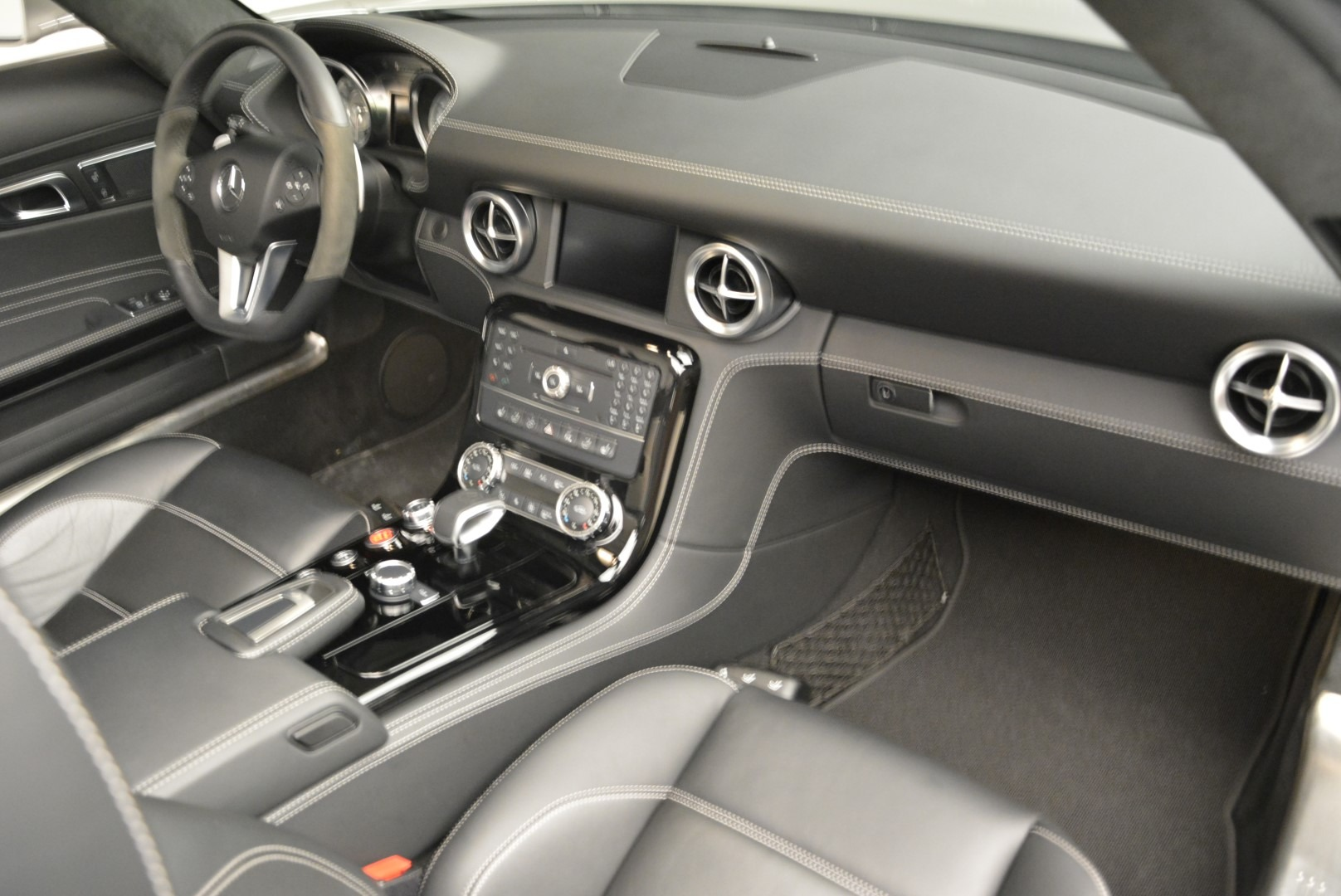 Used 2012 Mercedes-Benz SLS AMG  For Sale In Greenwich, CT. Alfa Romeo of Greenwich, 7330 2068_p26