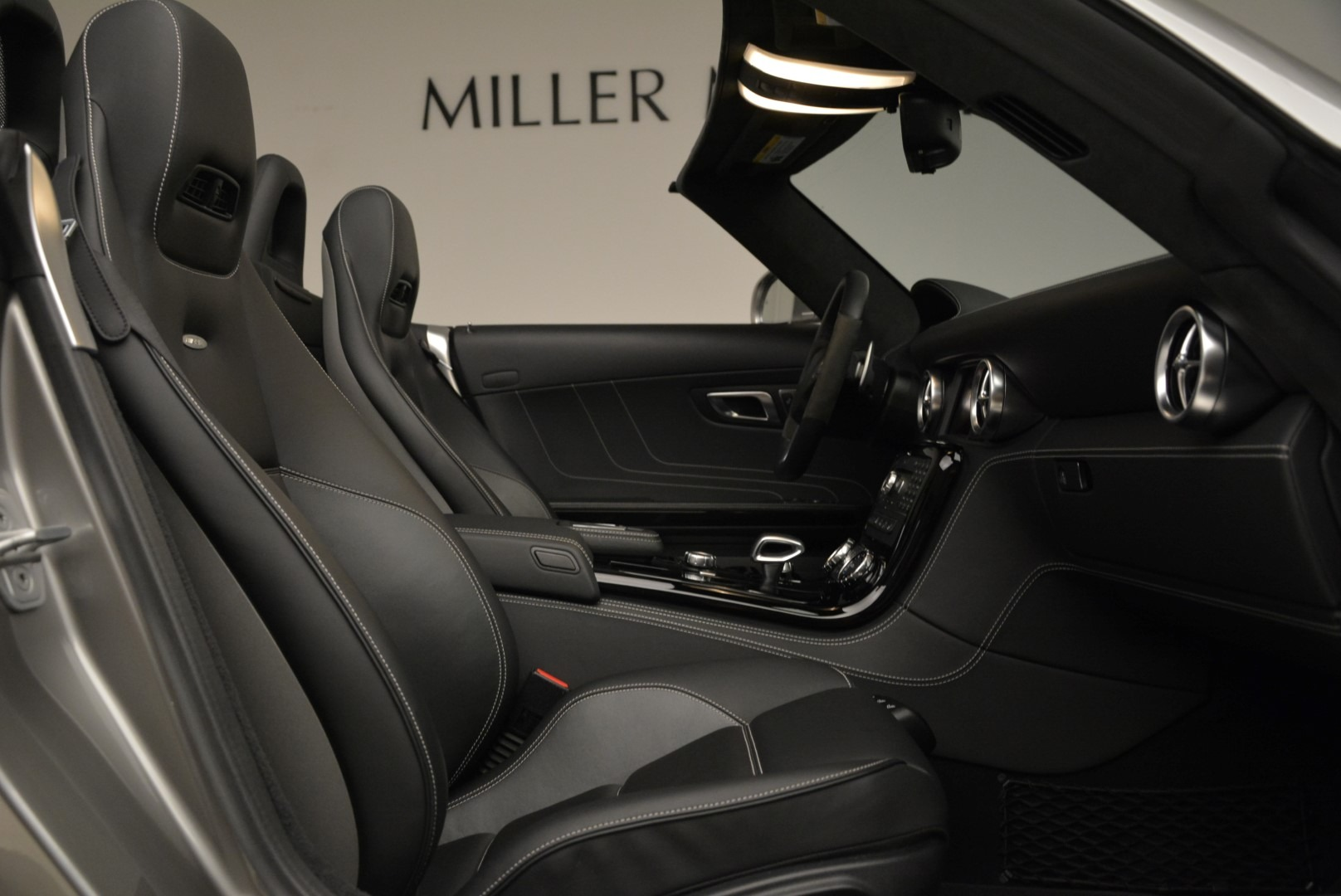 Used 2012 Mercedes-Benz SLS AMG  For Sale In Greenwich, CT. Alfa Romeo of Greenwich, 7330 2068_p27