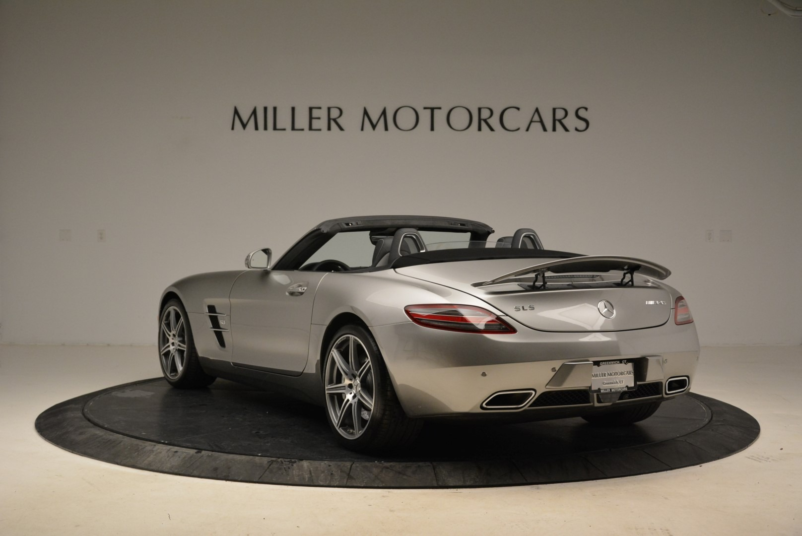 Used 2012 Mercedes-Benz SLS AMG  For Sale In Greenwich, CT. Alfa Romeo of Greenwich, 7330 2068_p5