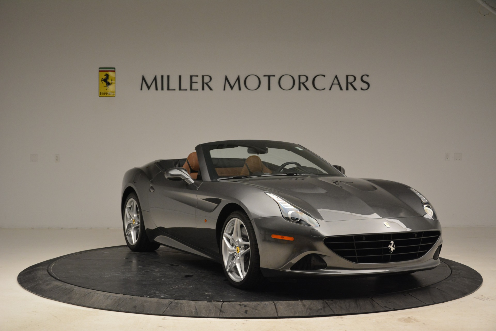 Used 2016 Ferrari California T  For Sale In Greenwich, CT. Alfa Romeo of Greenwich, 4461 2069_p11